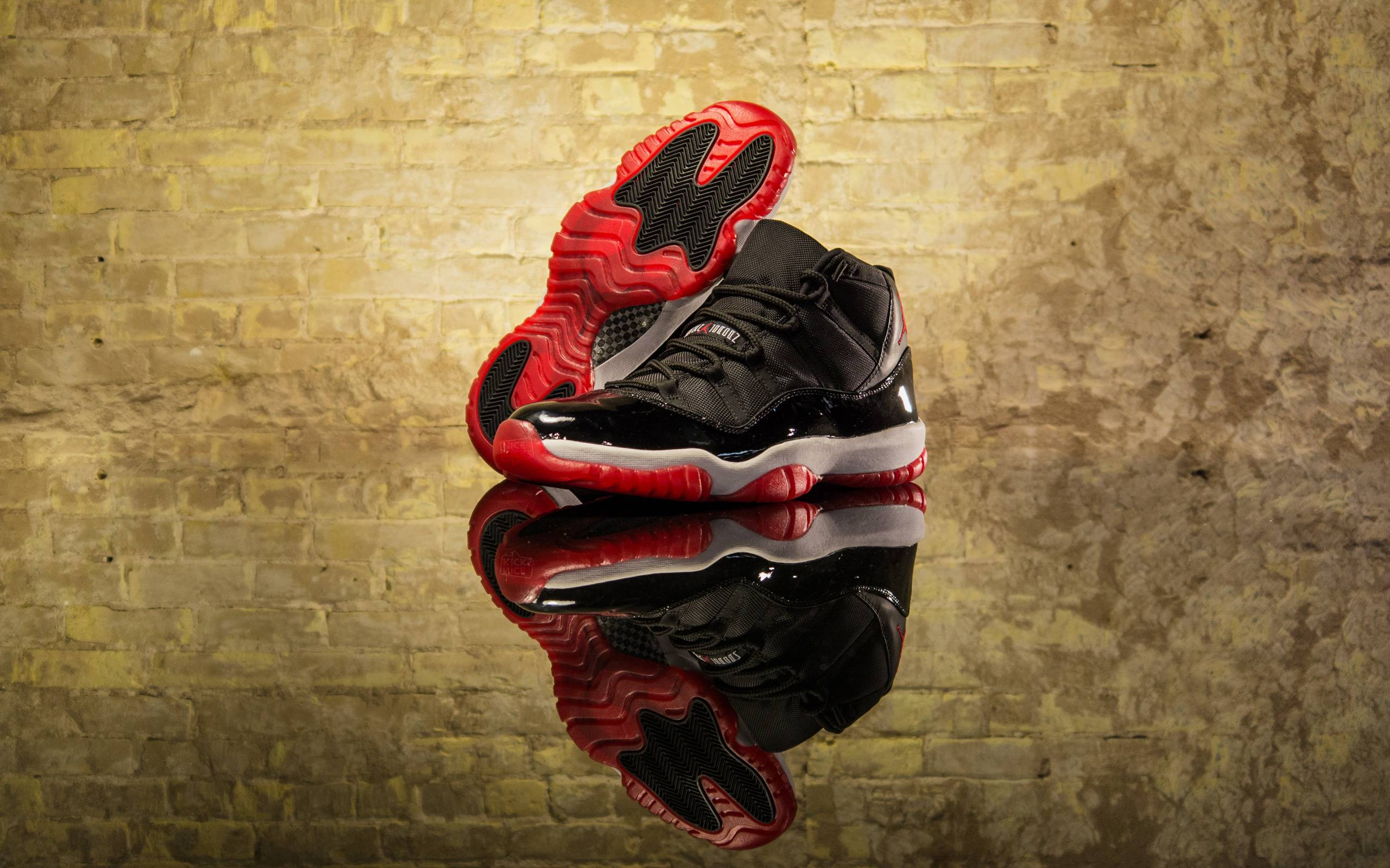 competitive price 7c129 3eb96 Weekly Wallpaper  2013 Year in Review - NiceKicks.