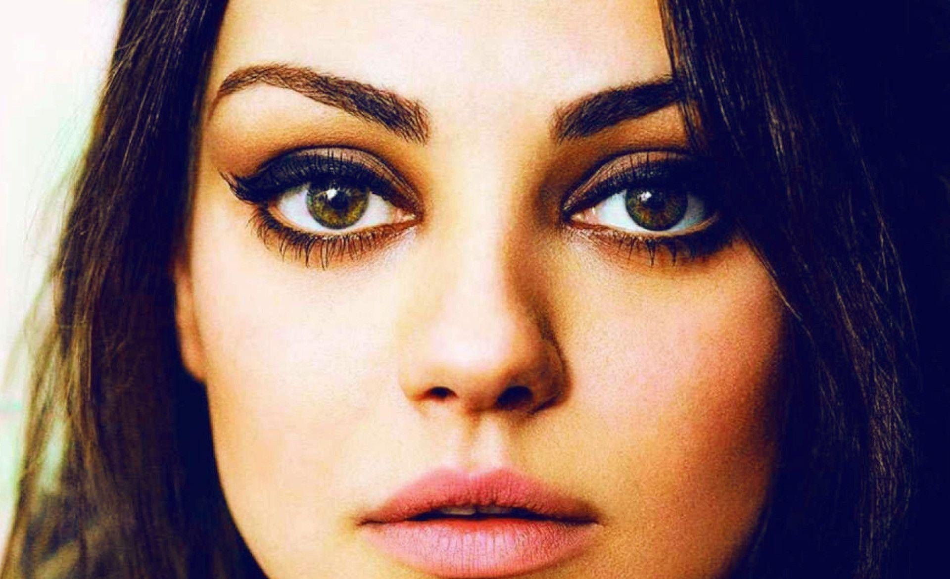 Mila Kunis Eye Wallpaper HD - dlwallhd.com