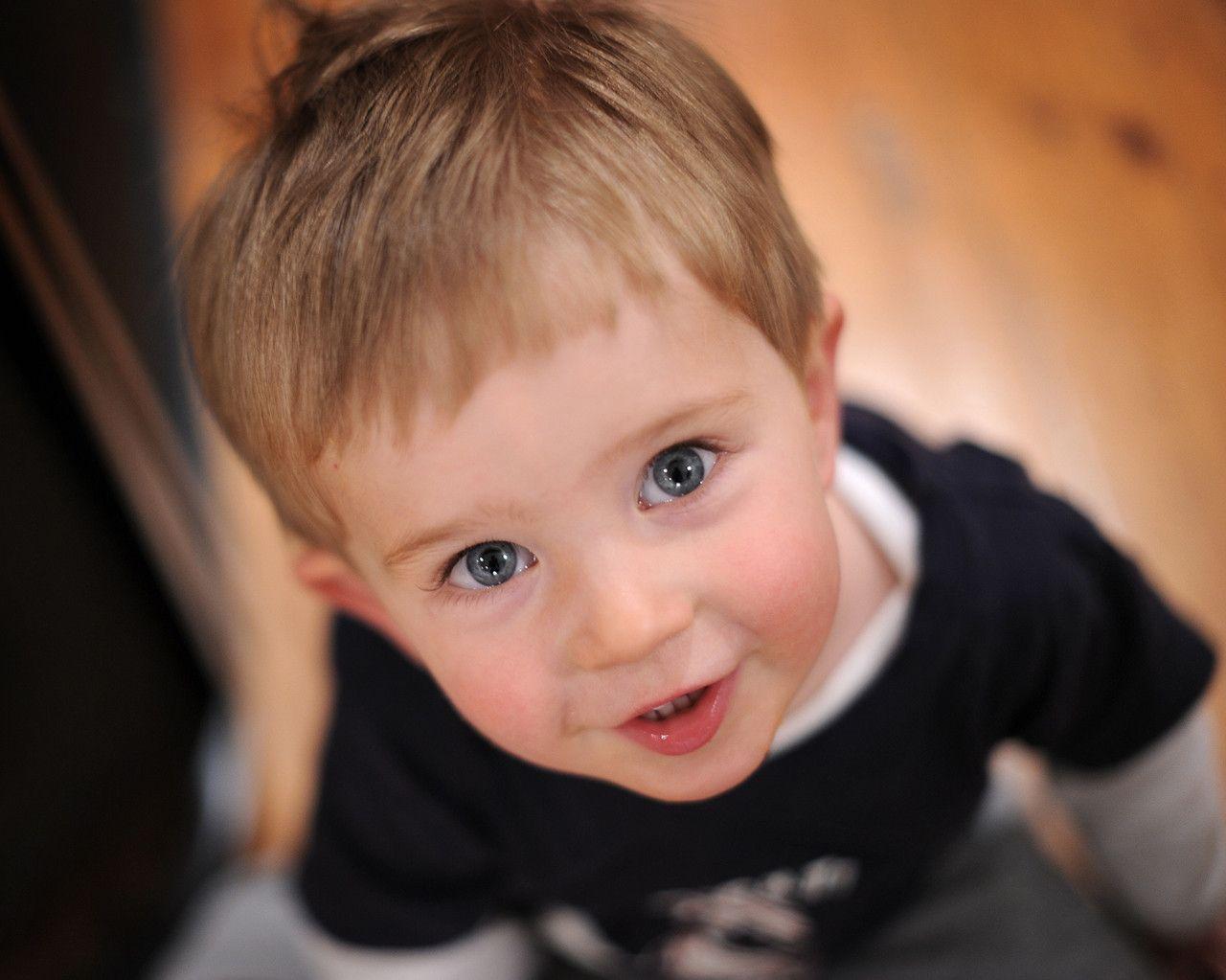 Cute Little Babies Hq 2 Wallpapers: Little Boy Wallpapers
