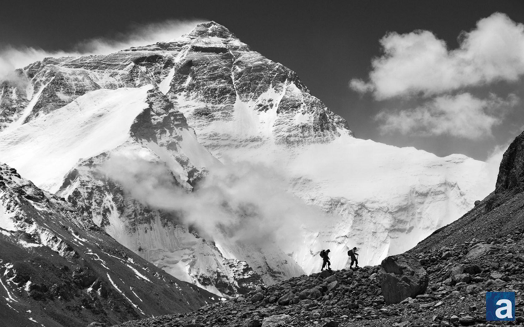 Wallpaper Wednesday: Mt. Everest   adventure journal