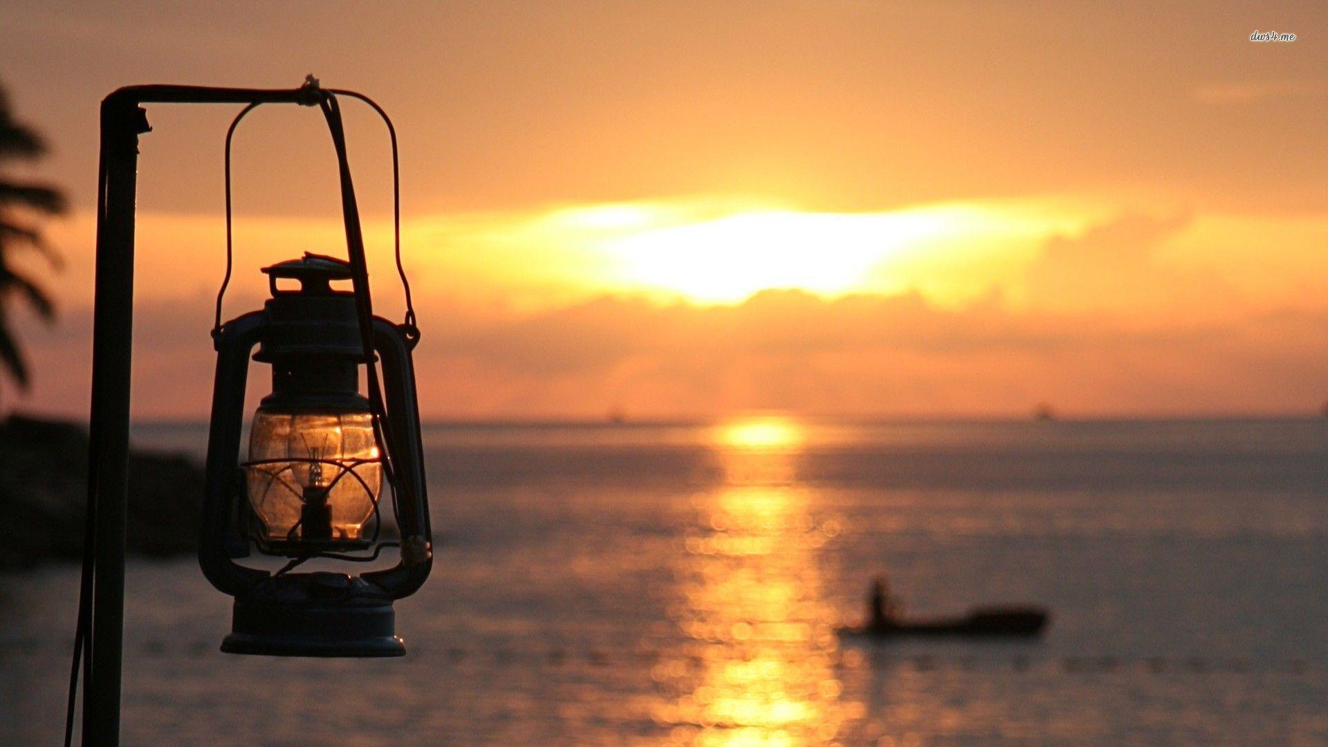 Oil lamp on Panaji beach, India wallpaper - Beach wallpapers - #
