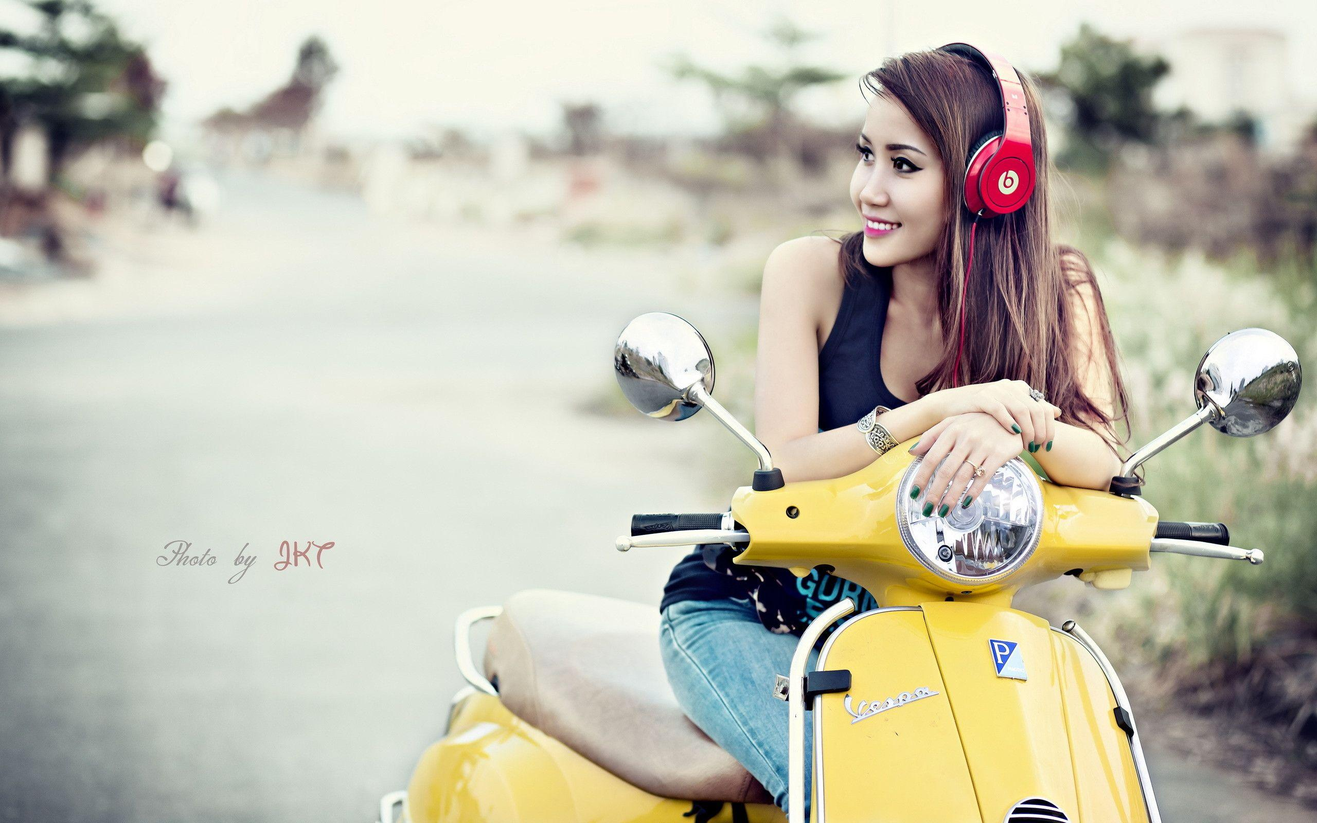 Scooter Vespa Asian headphones wallpaper | 2560x1600 | 217067 ...