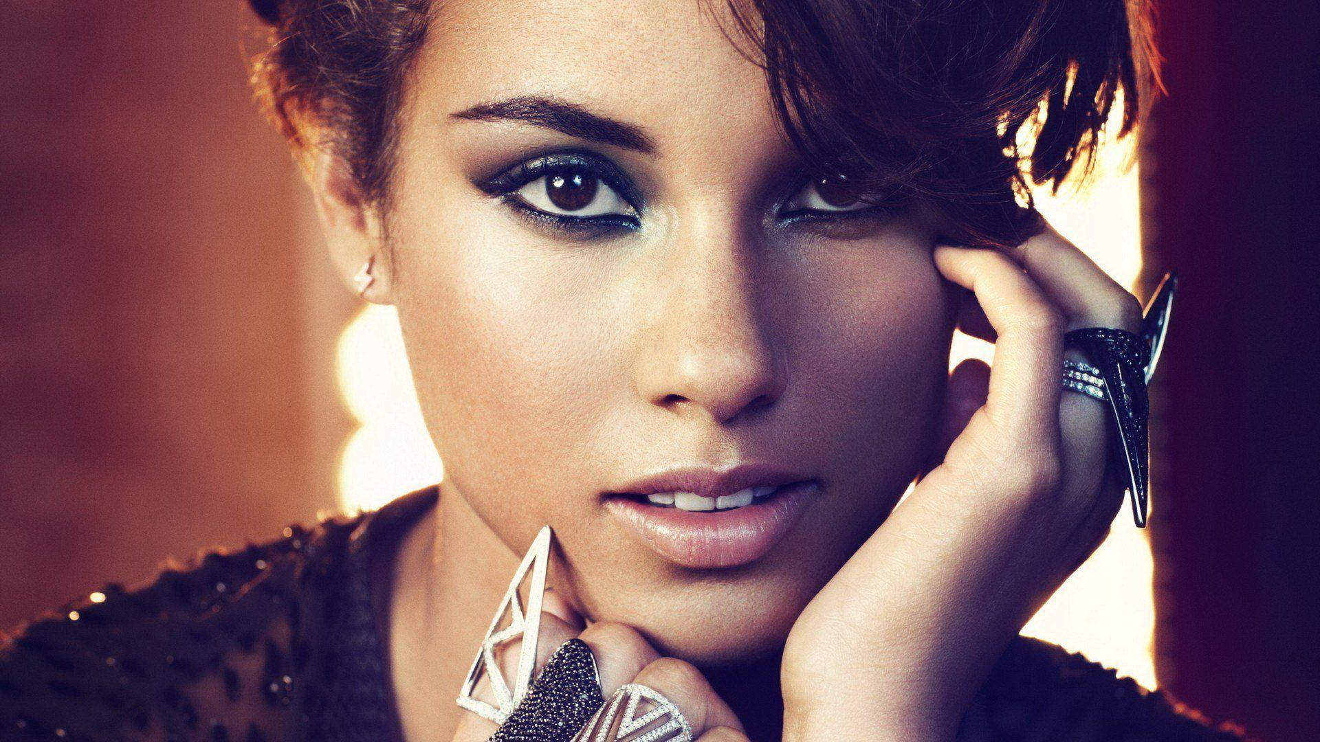 Alicia Keys Wallpaper #1 - Apnatimepass.com