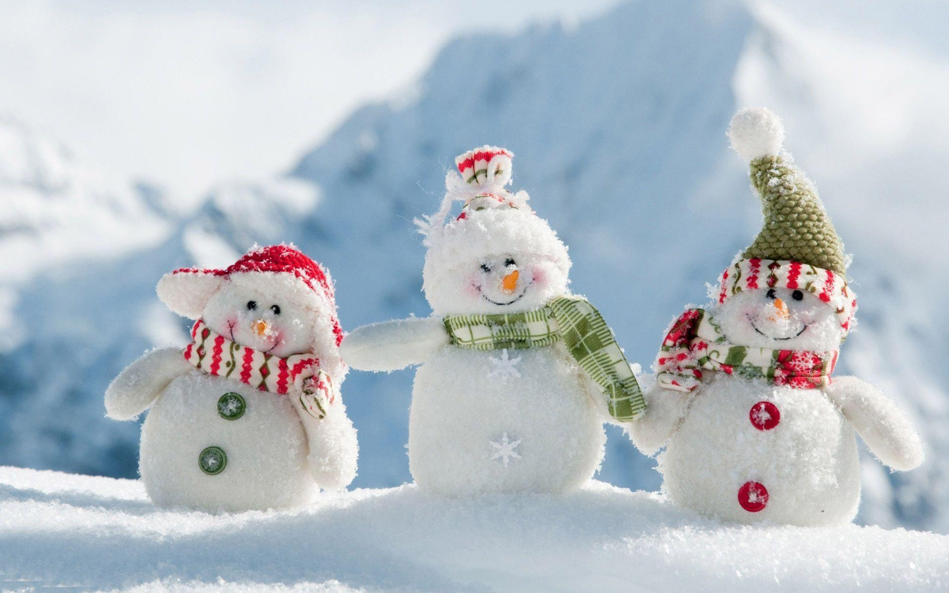 Cute snowman wallpapers wallpaper cave for Pretty christmas pics