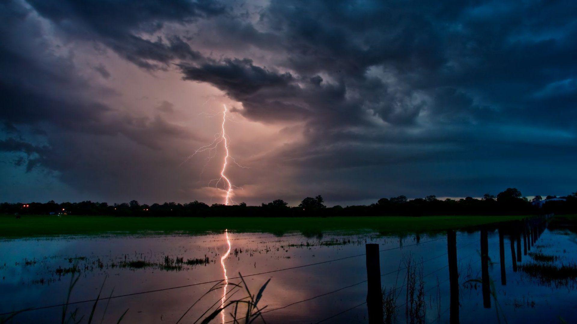 lightning strike wallpaper - photo #25