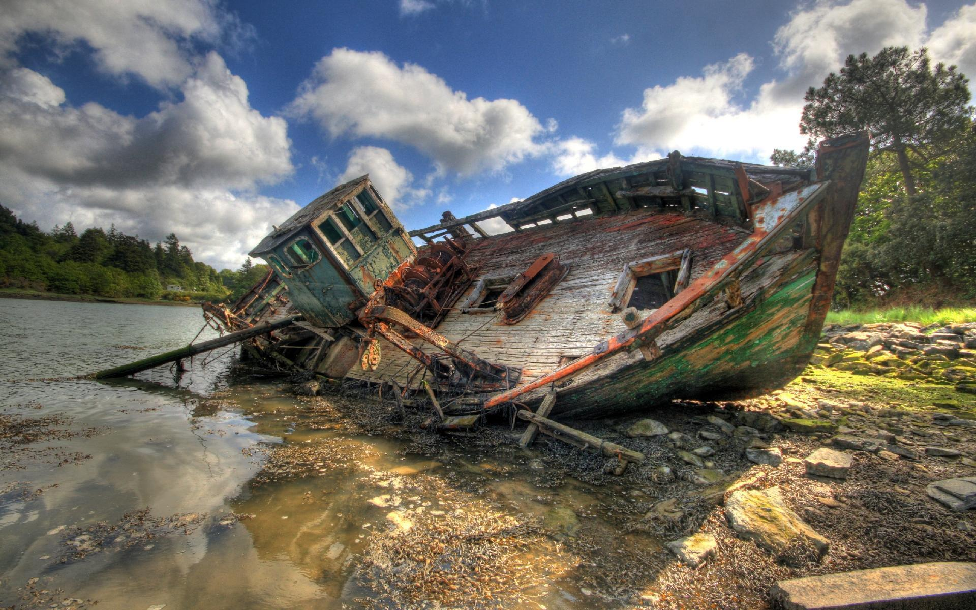 Shipwreck wallpapers wallpaper cave for Old fishing boat