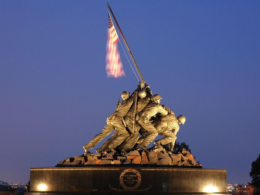 iwo jima memorial Us marine corps war memorial (iwo jima memorial): 1954 the us marine corps war memorial, also called the iwo jima memorial, is a tribute to all marines who have lost their lives in service to our nation the choice of subject is unusual because it is based on a famous photograph from a world war ii battle: the us.
