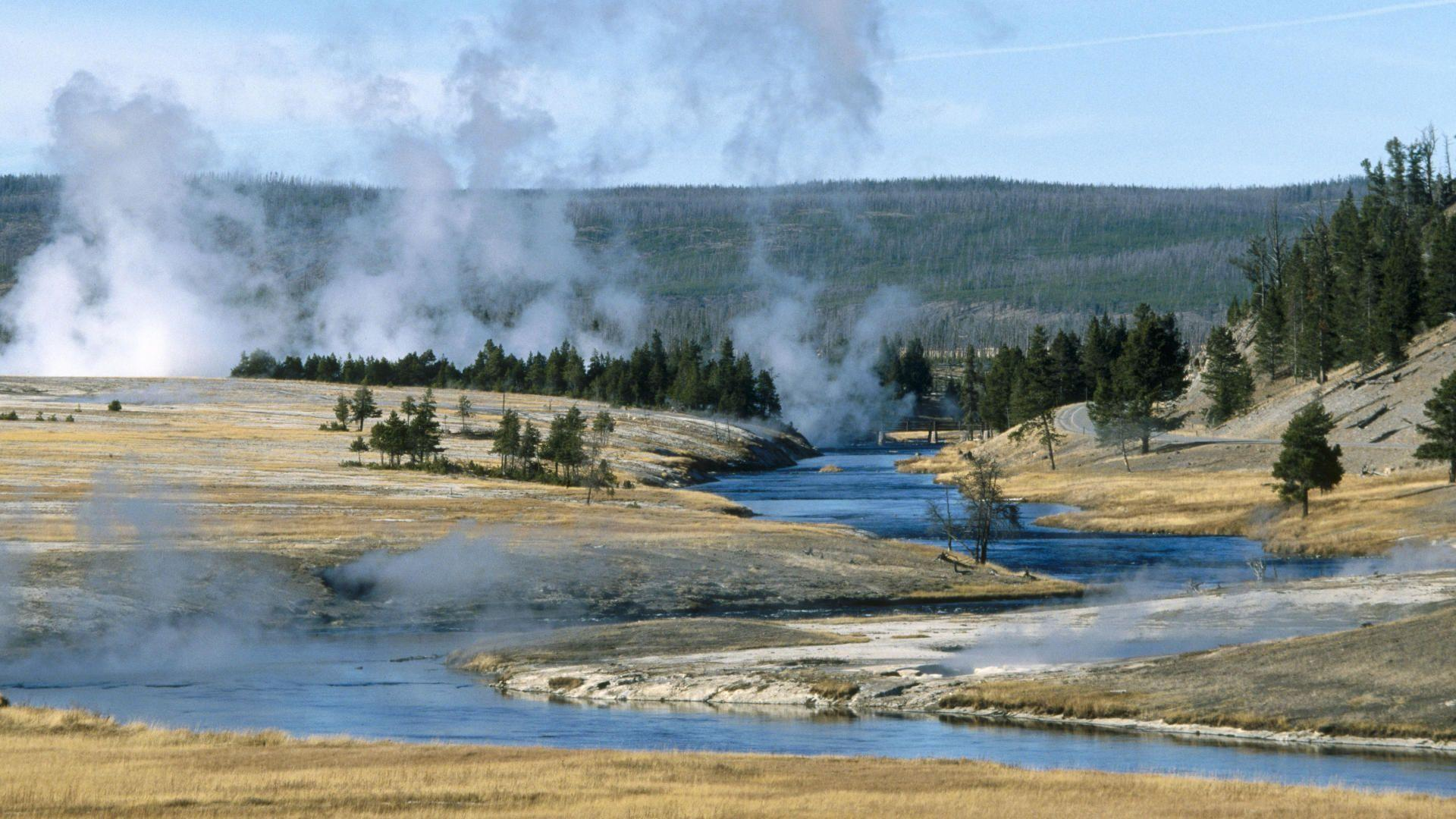 related wallpapers from yellowstone - photo #35