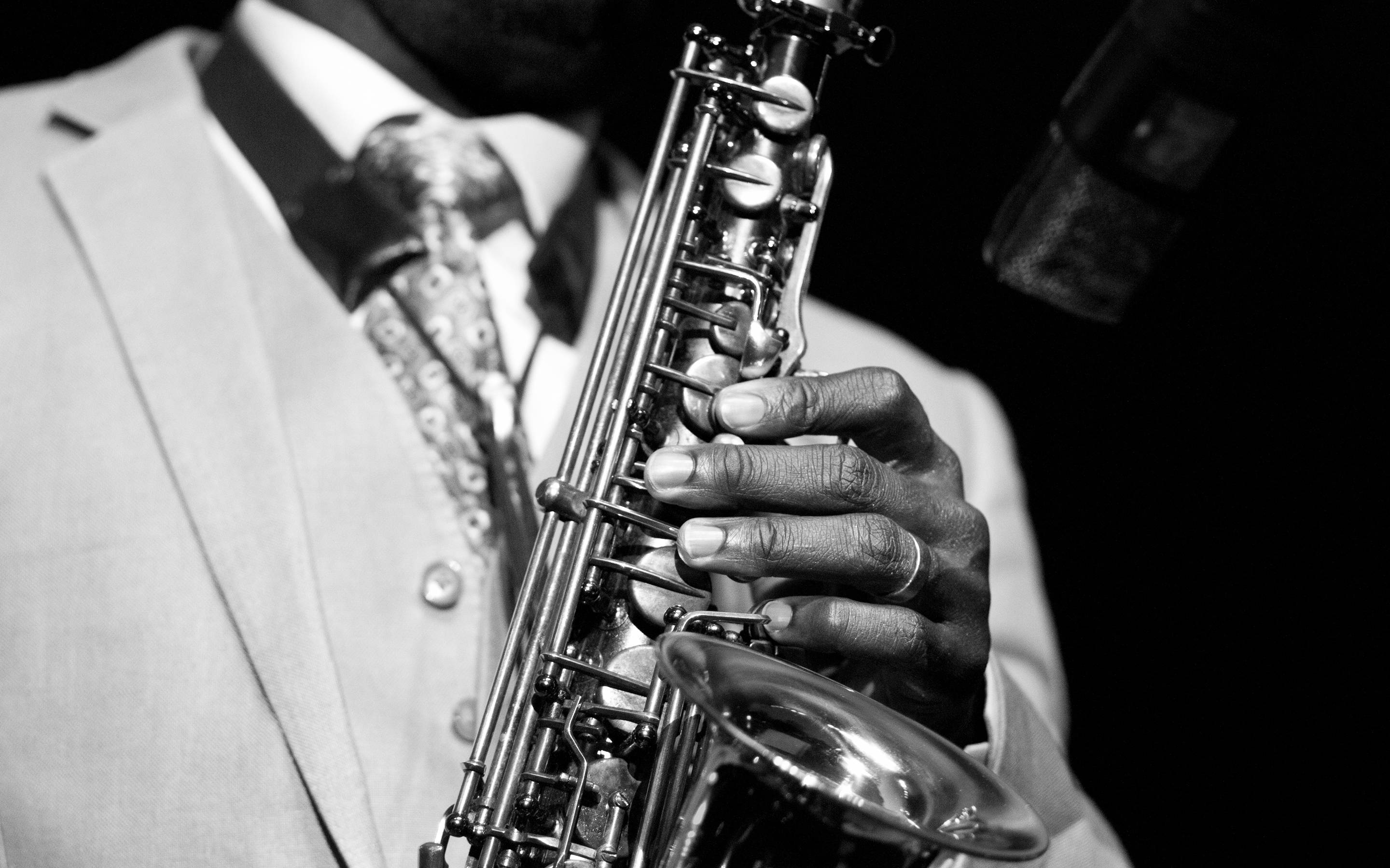 Saxophone black white men males | Wallpaper