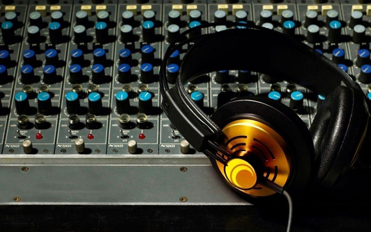 Wallpapers For > Dj Mixer Wallpapers Download