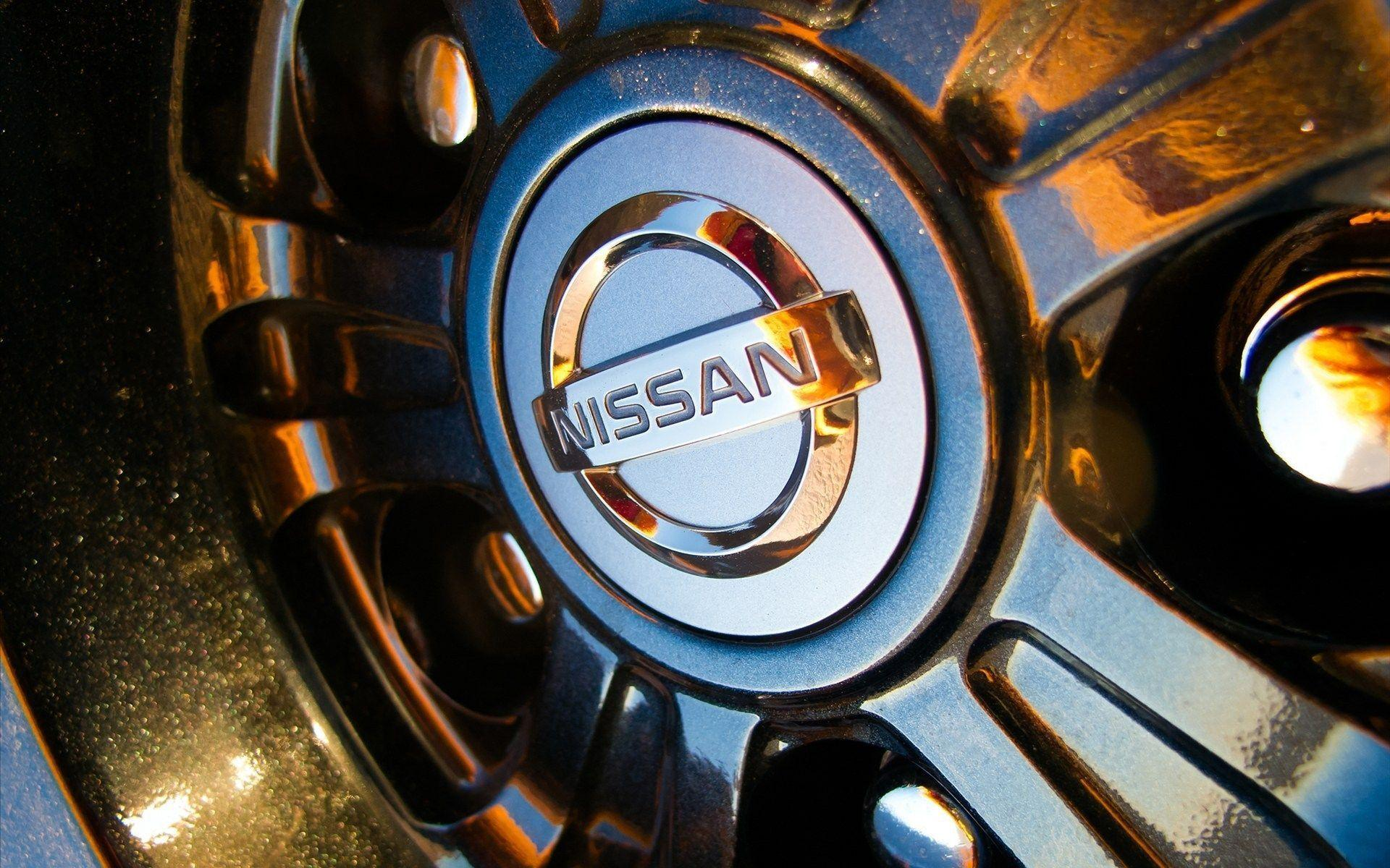 Nissan Logo on Wheel HD Wallpaper Download Wallpaper from ...