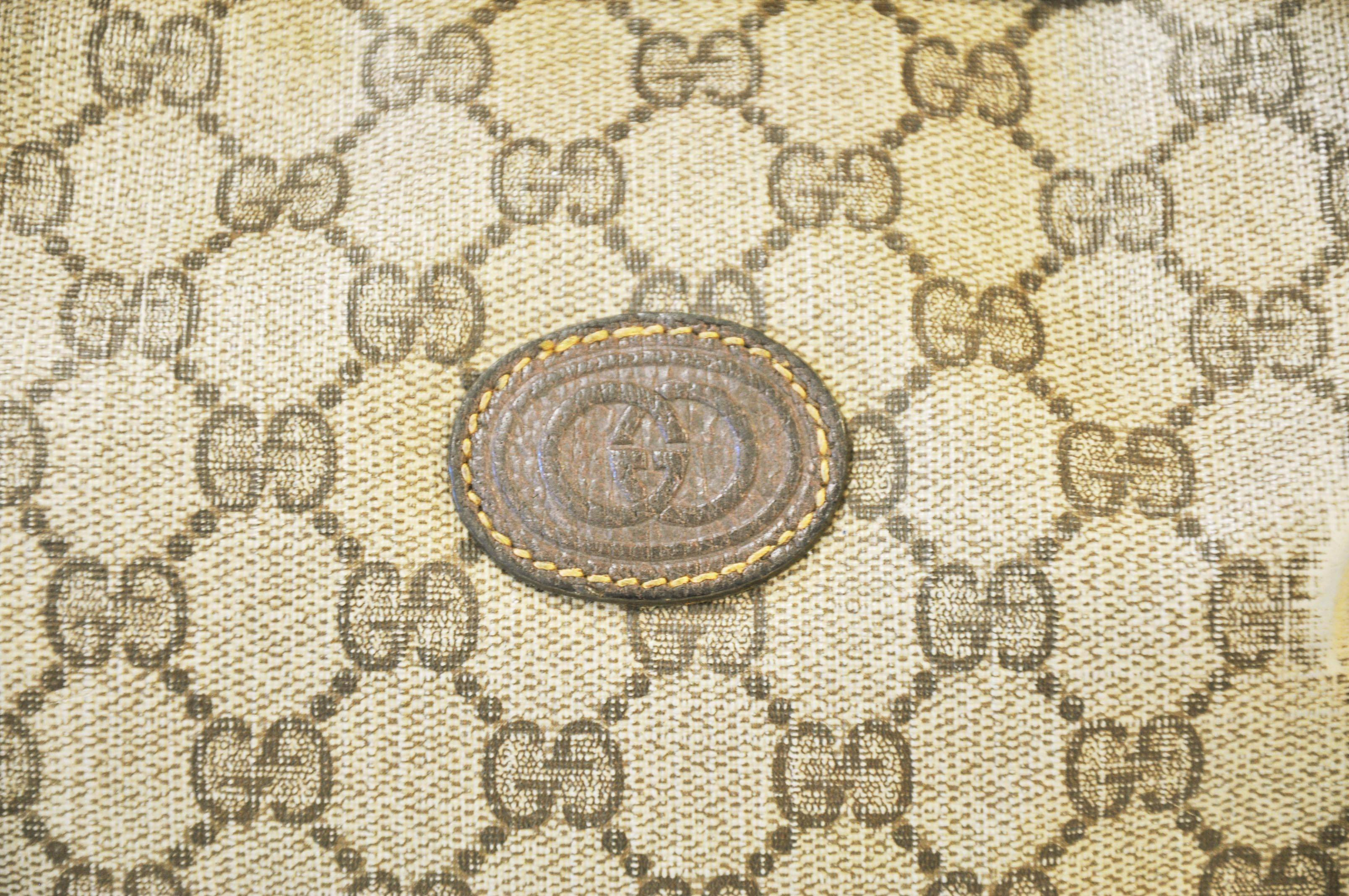Gucci Logo - Viewing Gallery