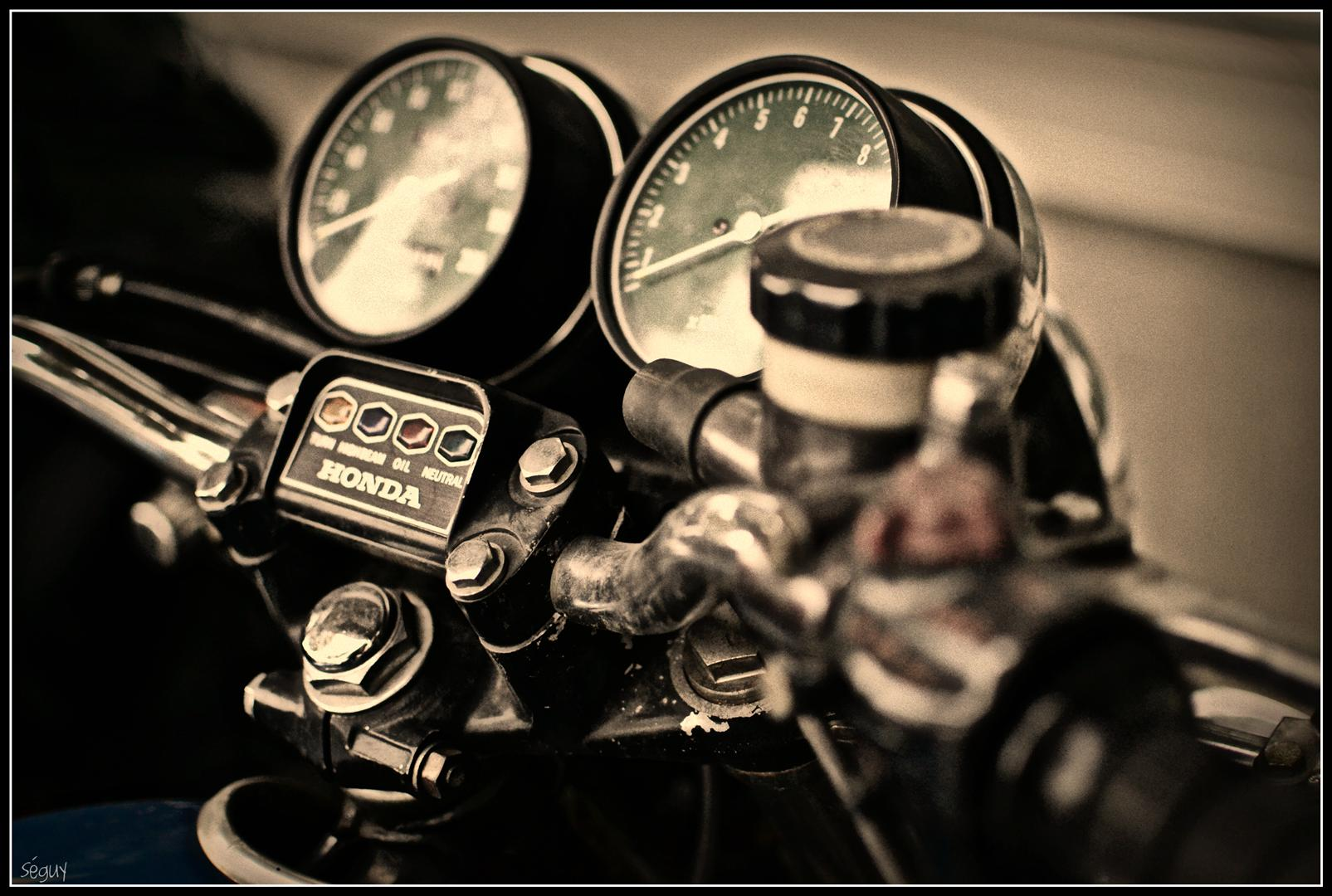 Vintage HD Wallpaper Honda Motorcycle Background