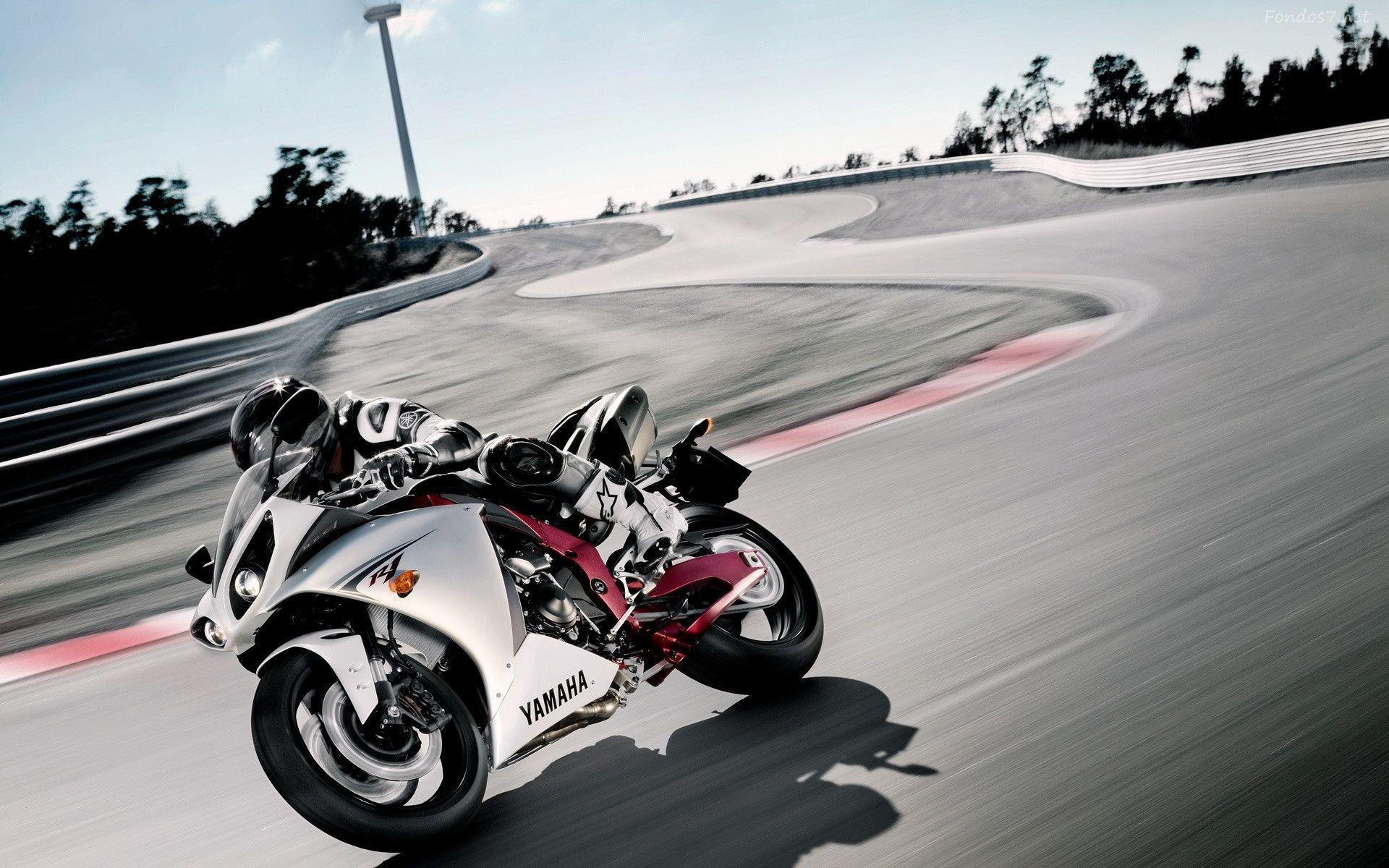 Superbike Hd Wallpaper Full Screen: Yamaha R1 Wallpapers