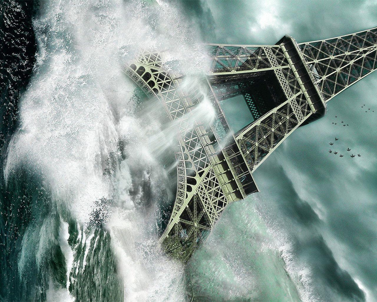 Photography : Captivating Tsunami At Eifel Tower Picture Desktop