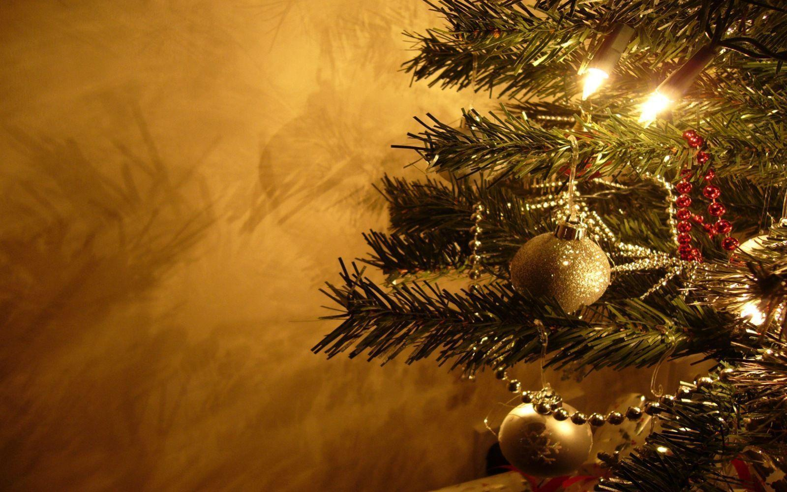 Free Christmas Desktop Backgrounds - Wallpaper Cave
