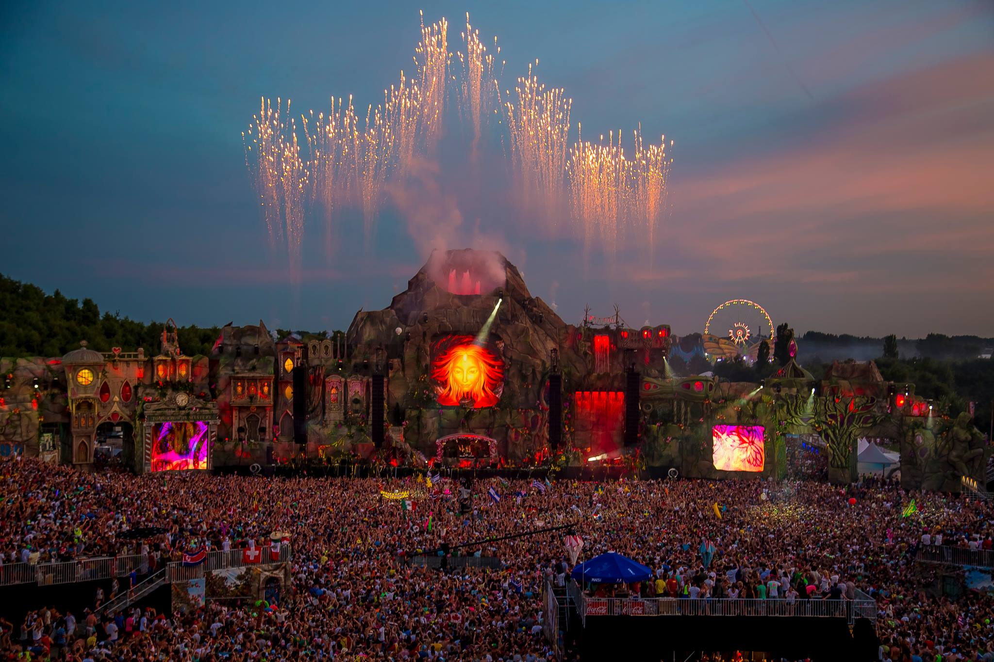 Tomorrowland 2015 Laser Show HD Wallpapers - Wallpaper Cave What A Crowd What A Stage Tomorrowland 2013 In Photos