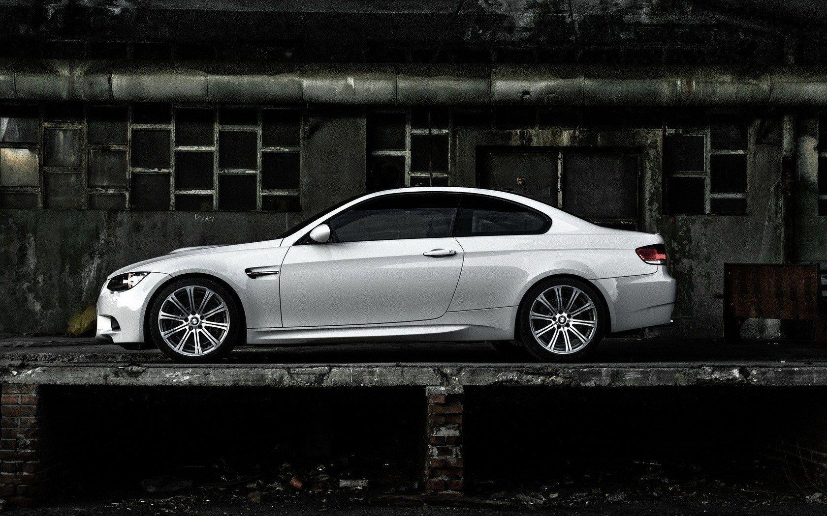 White BMW M3 E92 Coupe HD Wallpaper