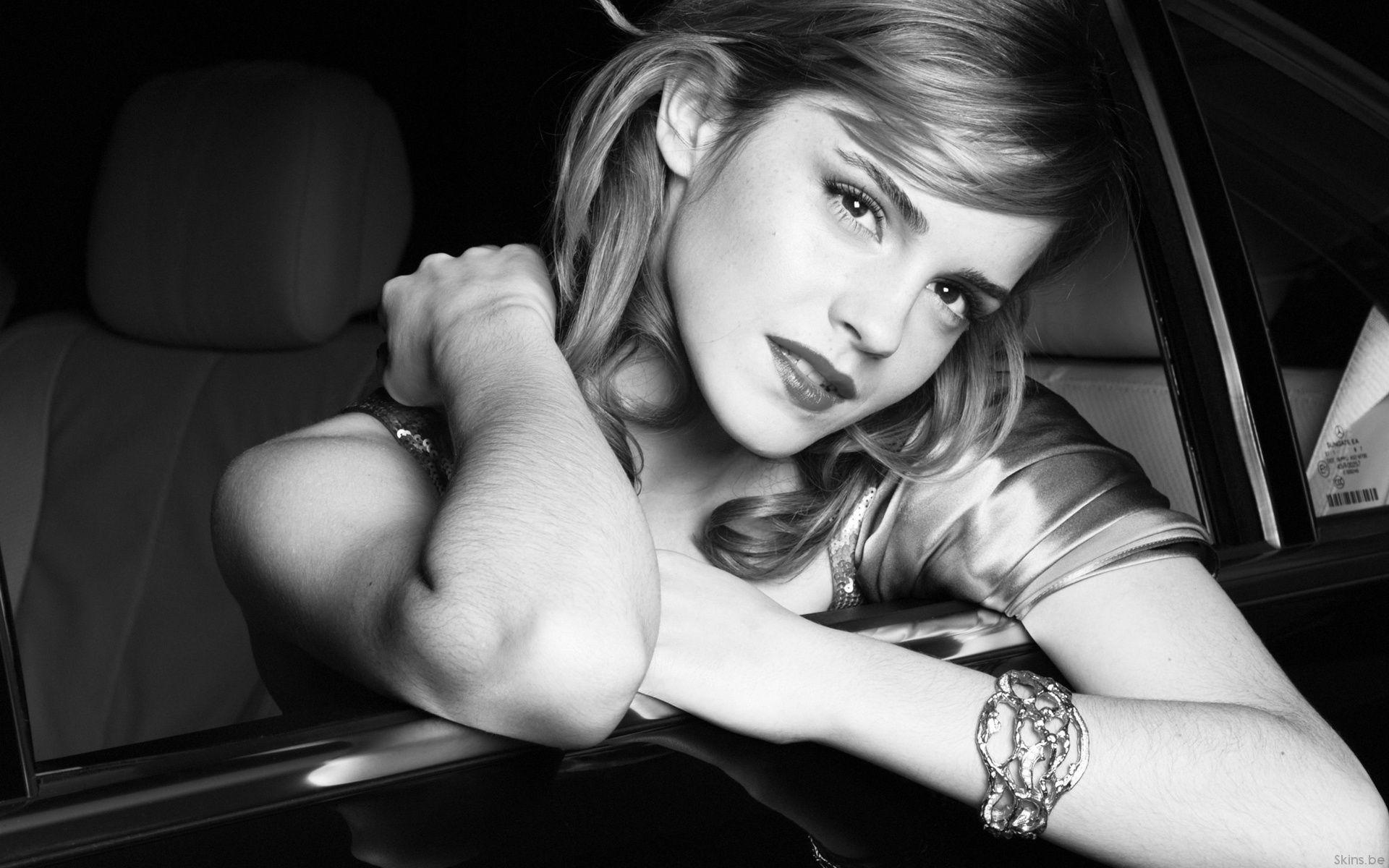 Wallpapers For > Emma Watson Wallpaper Black And White