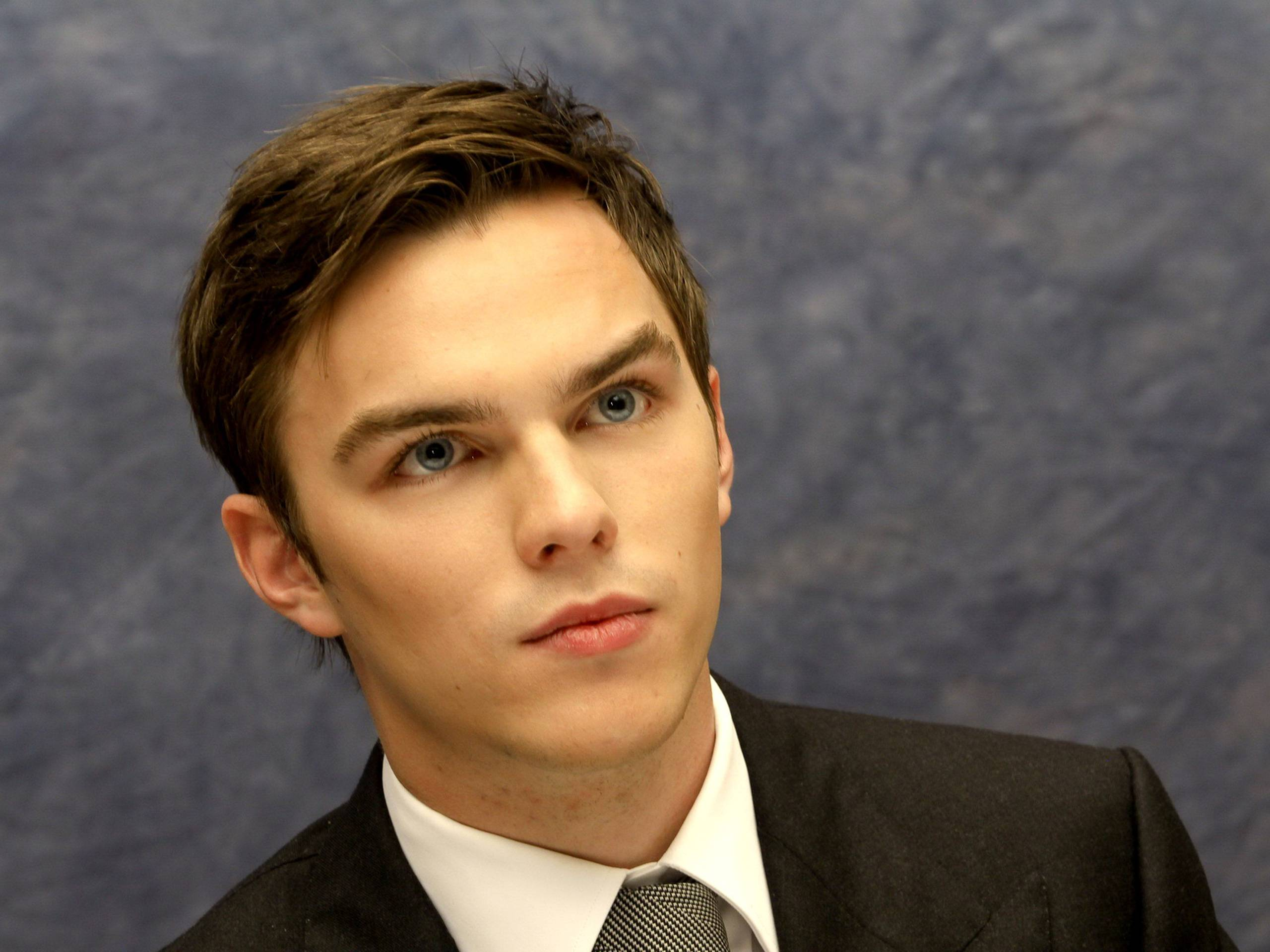 nicholas hoult wallpaper background - photo #31