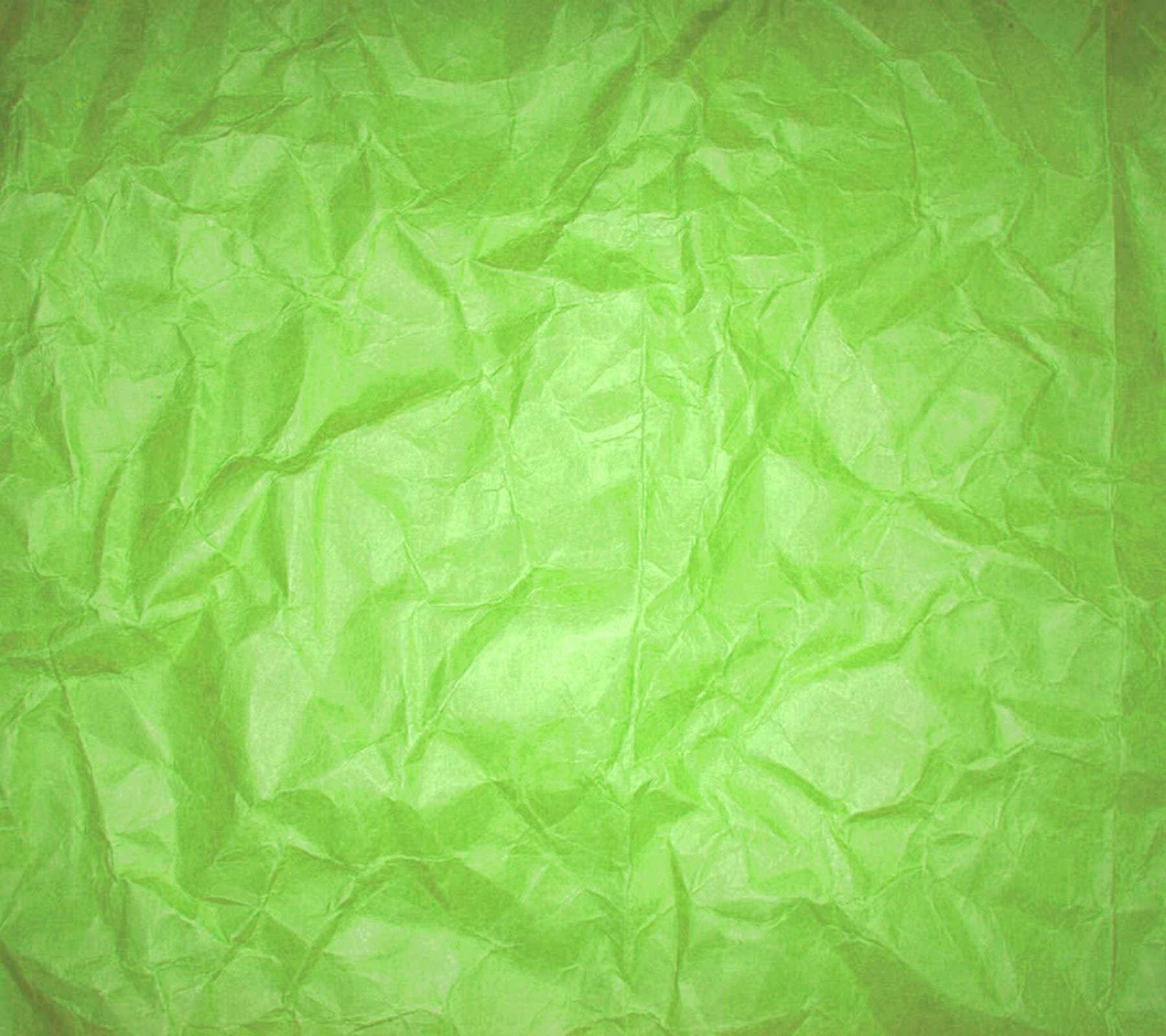 зеленая картинка на бумаге