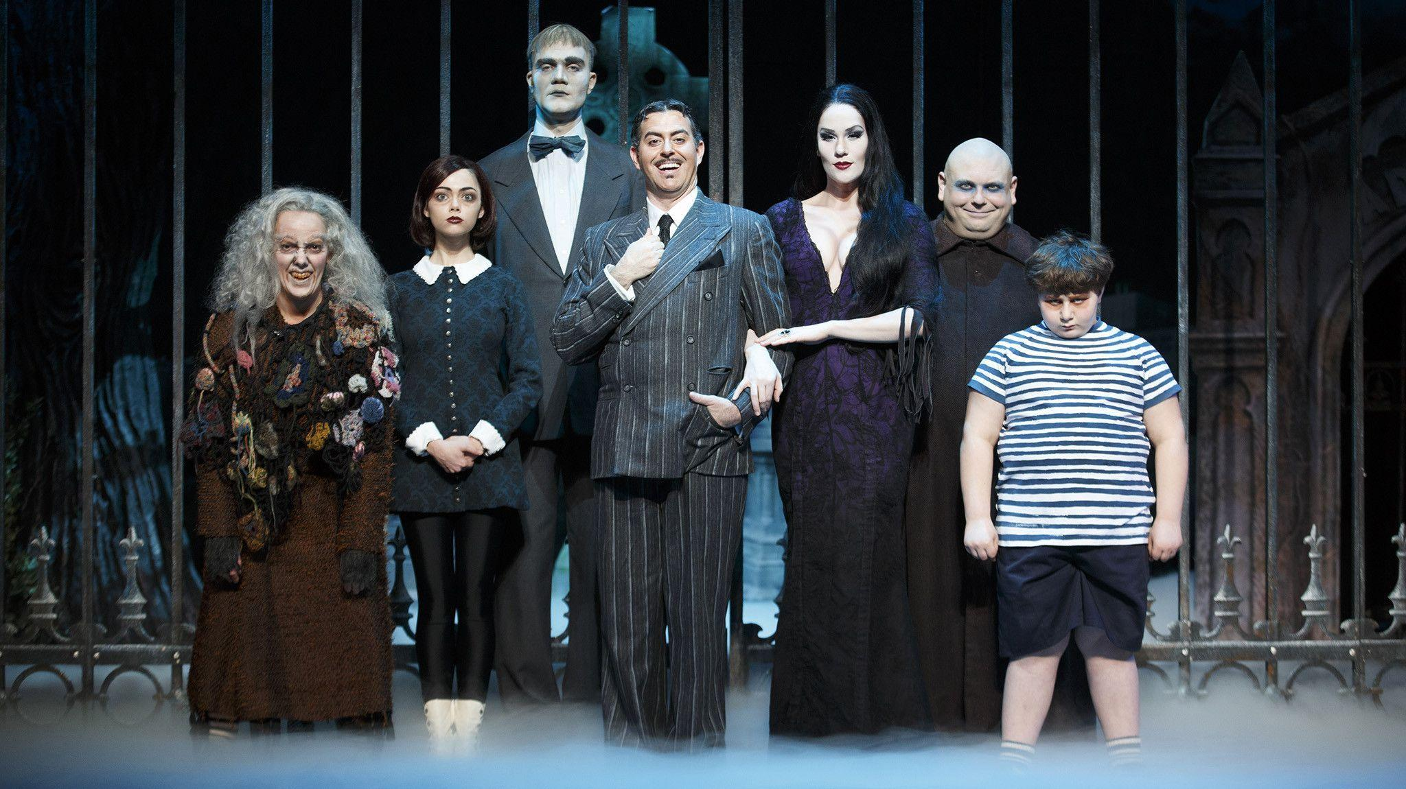 Addams Family Wallpapers - Wallpaper Cave
