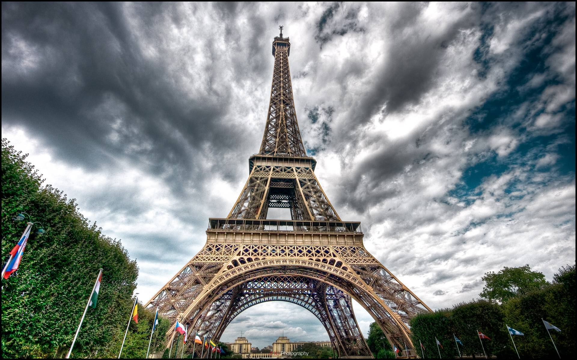 HD Eiffel Tower Wallpaper