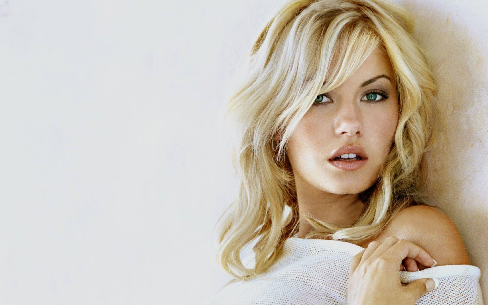Elisha Cuthbert Hd Wallpapers: Wallpapers Of Elisha Cuthbert