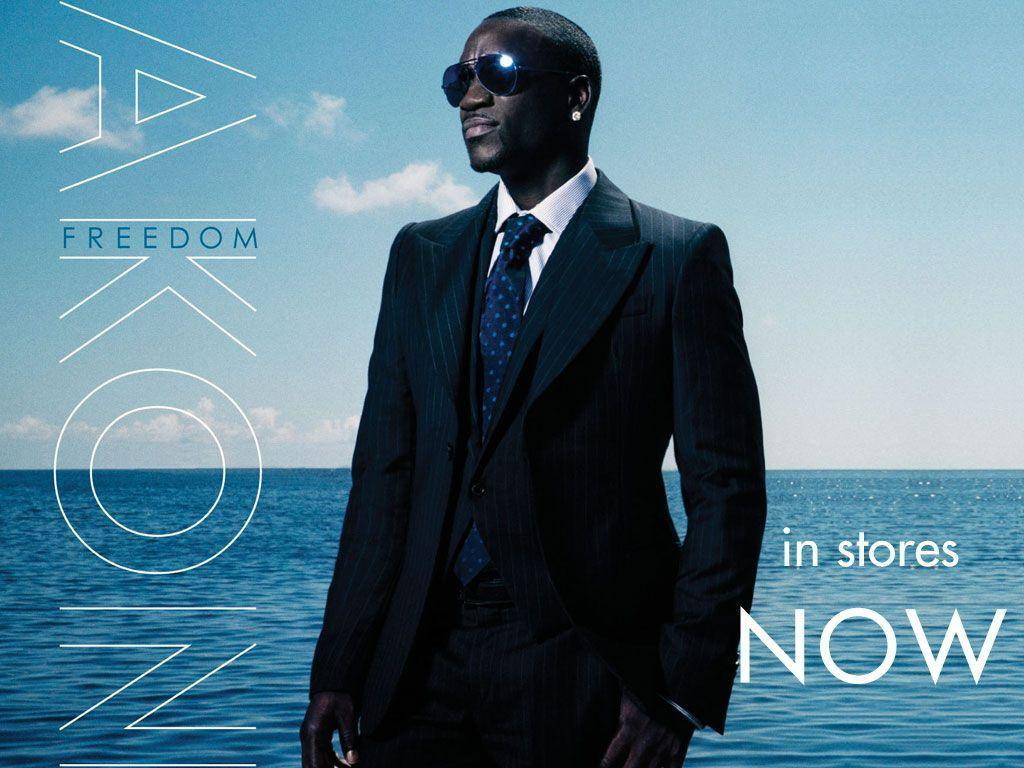 Akon Hairstyle Makeup Suits Shoes and Celebrity Style