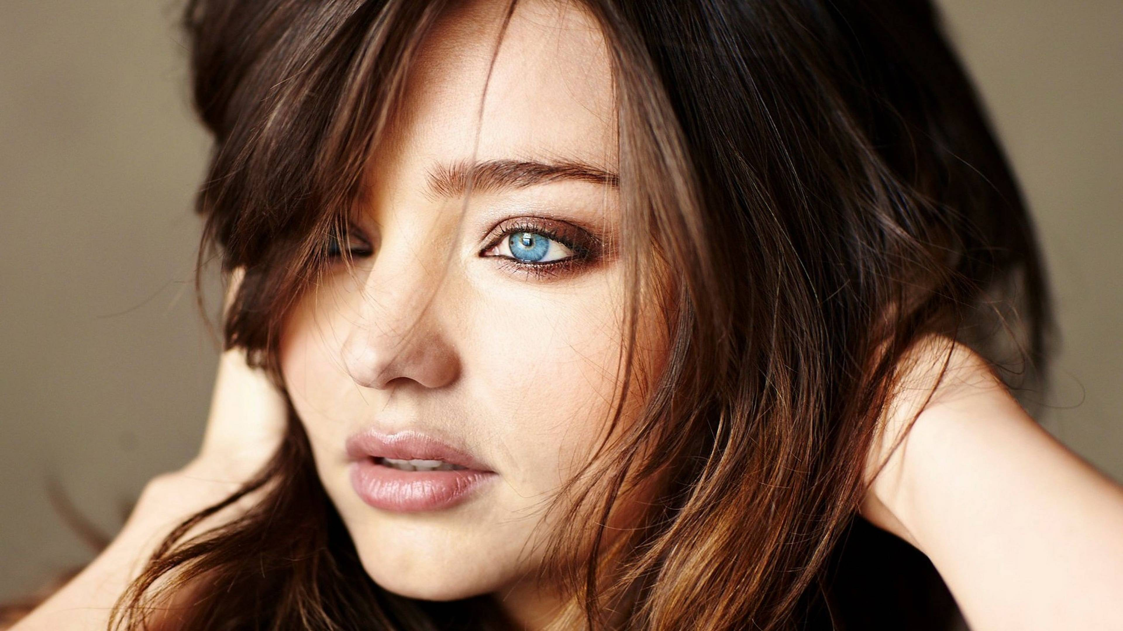 Eye Catching Look Of Miranda Kerr Wallpapers Wallpapers