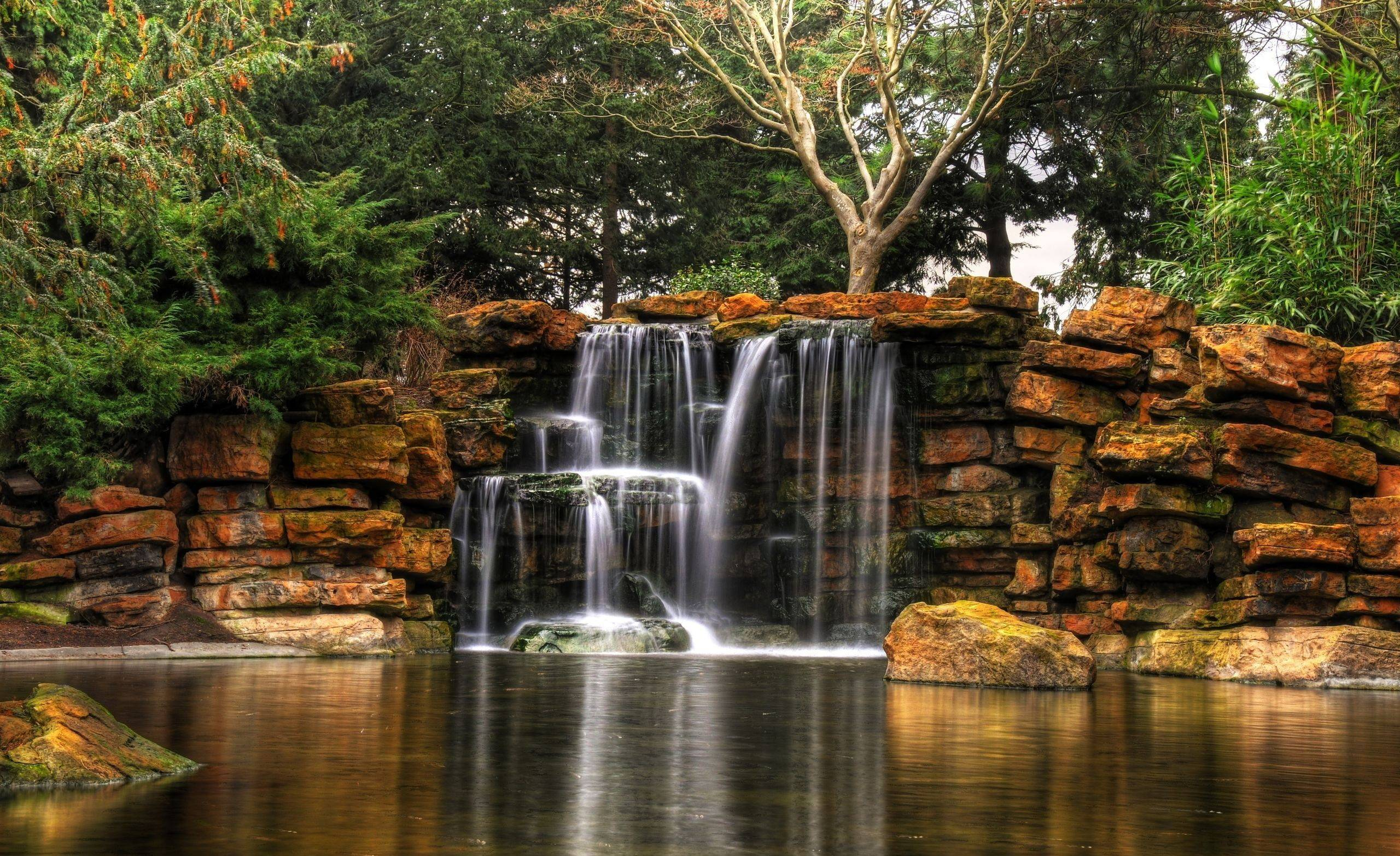 Beautiful waterfall wallpapers wallpaper cave for Pictures of small waterfalls