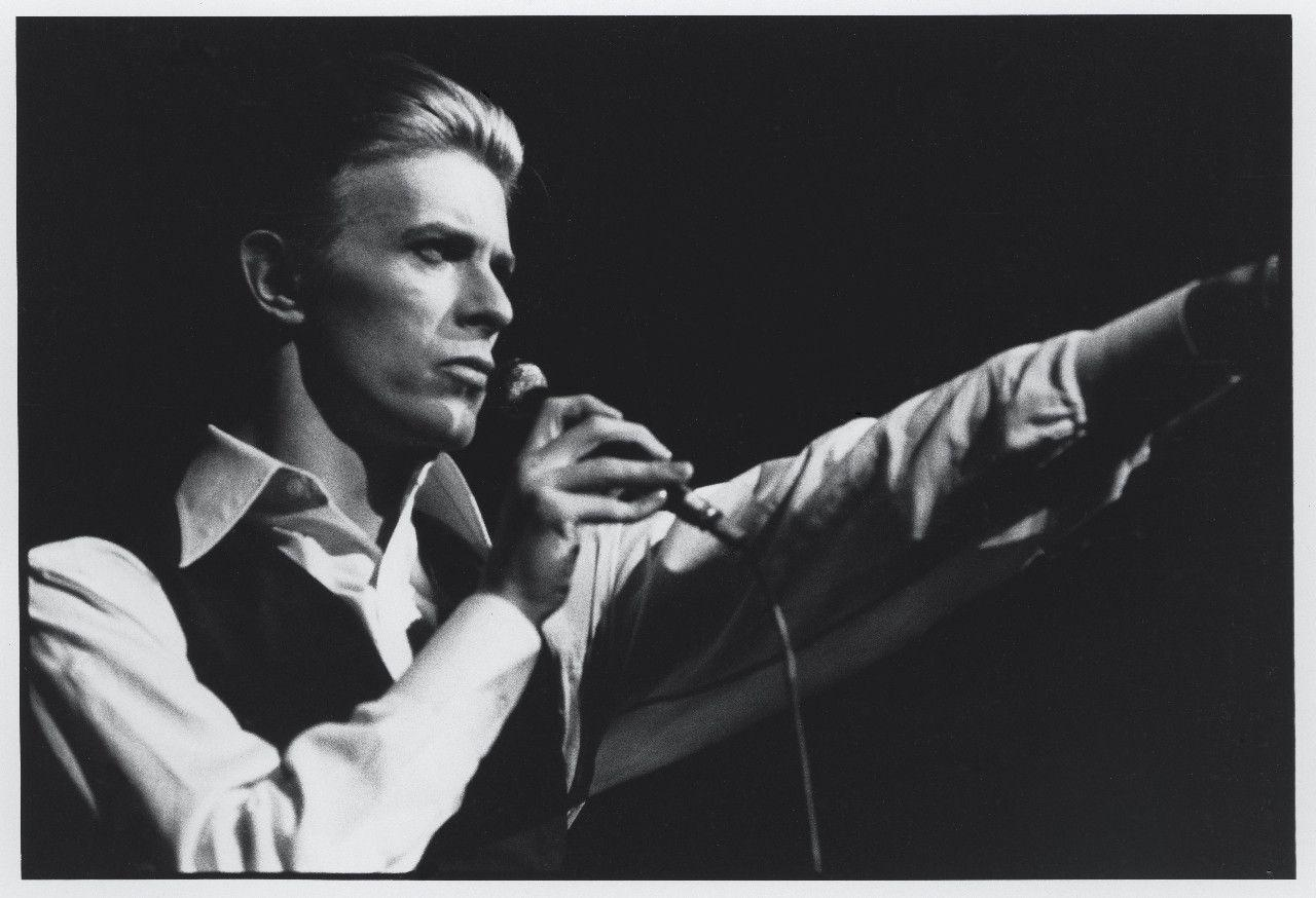Images For > David Bowie Wallpaper Heroes