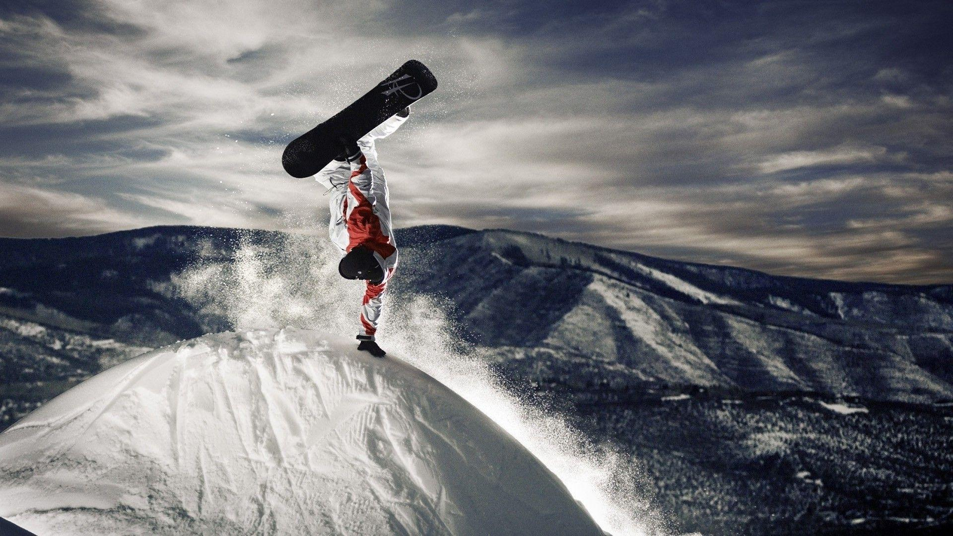 Extreme snowboarding Wallpaper #