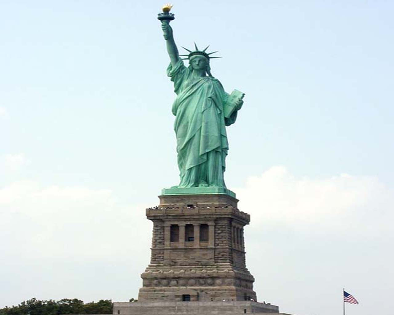 Image For > Statue Of Liberty Wallpapers Black And White