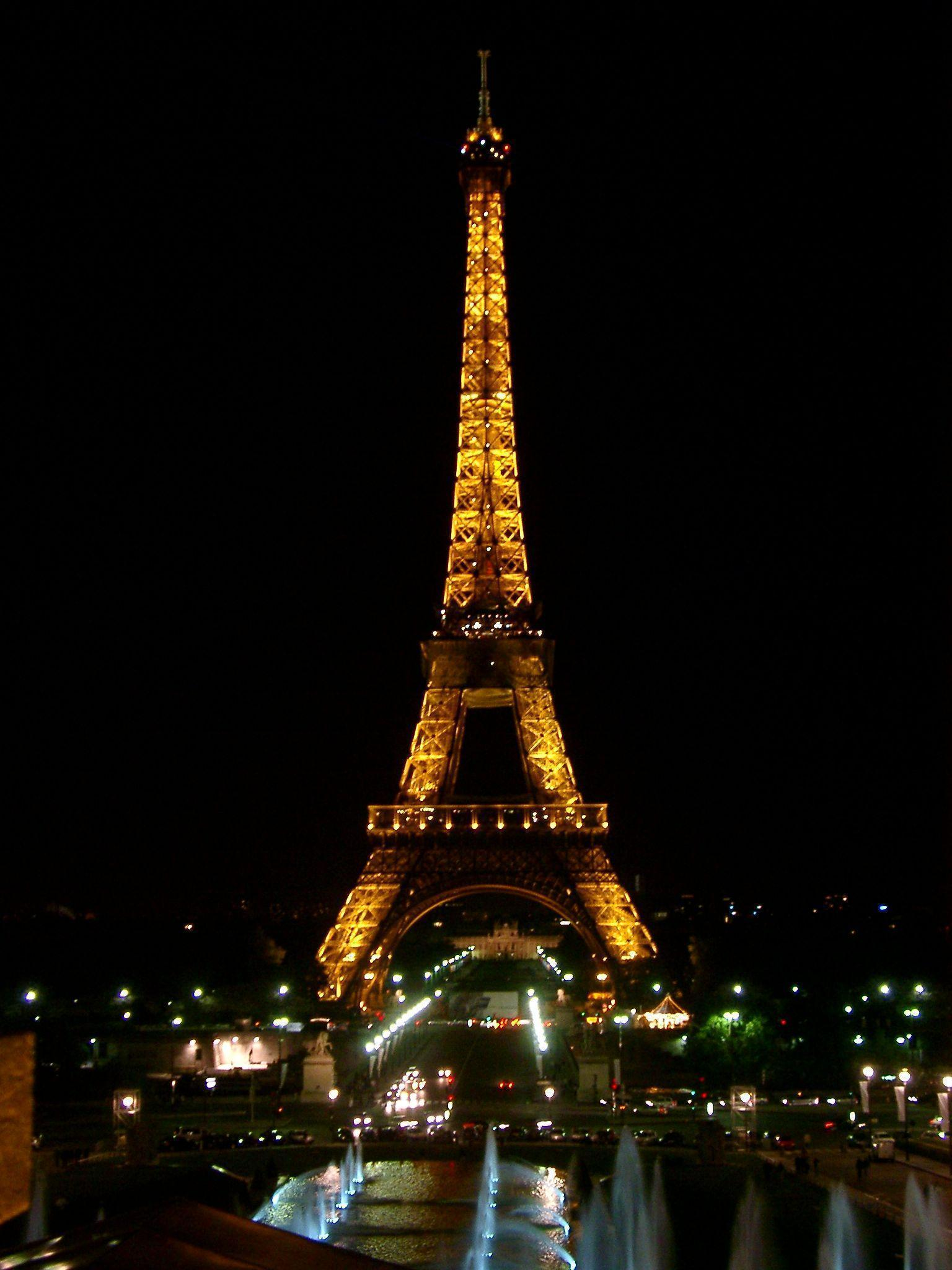 eiffel tower wallpaper - photo #30