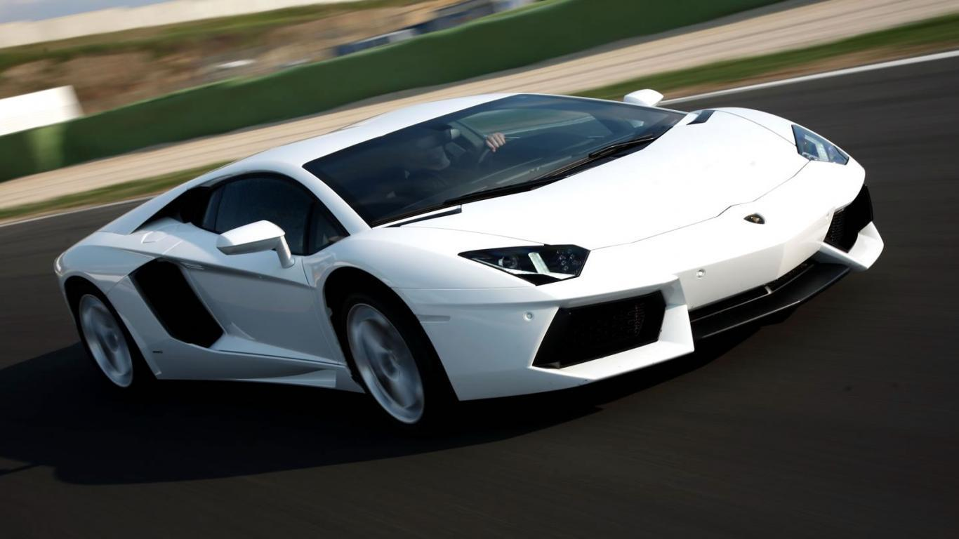 White Lamborghini Wallpapers - Wallpaper CaveWhite Lamborghini Wallpaper