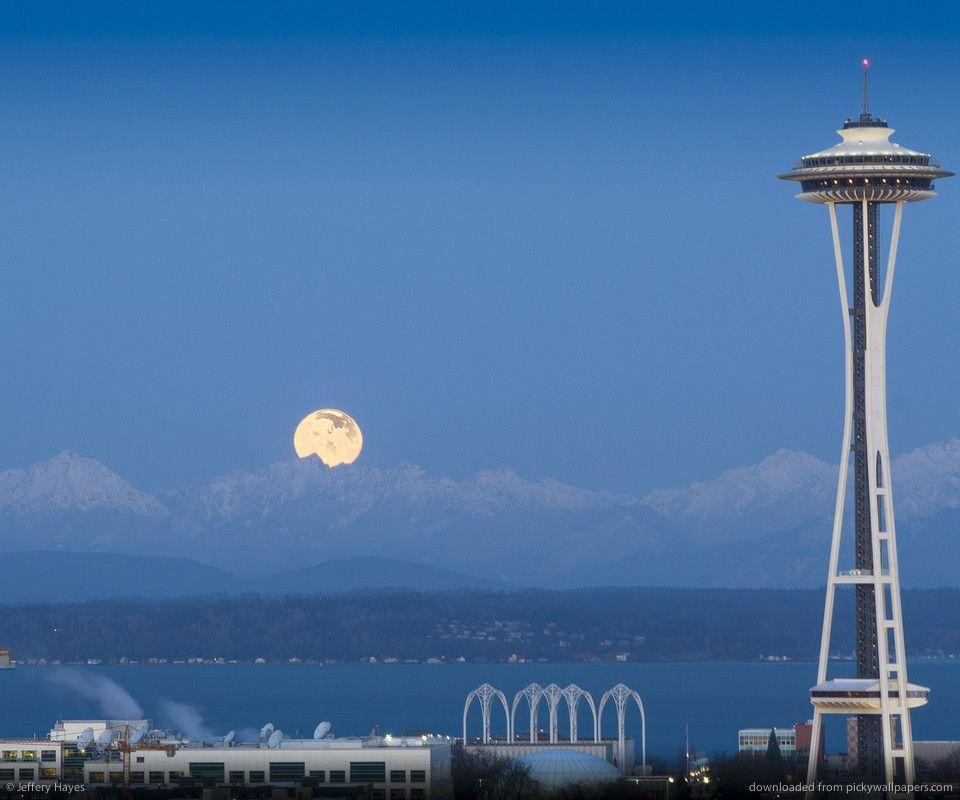 Download Full Moon And Seattle Space Needle Wallpaper For HTC Desire