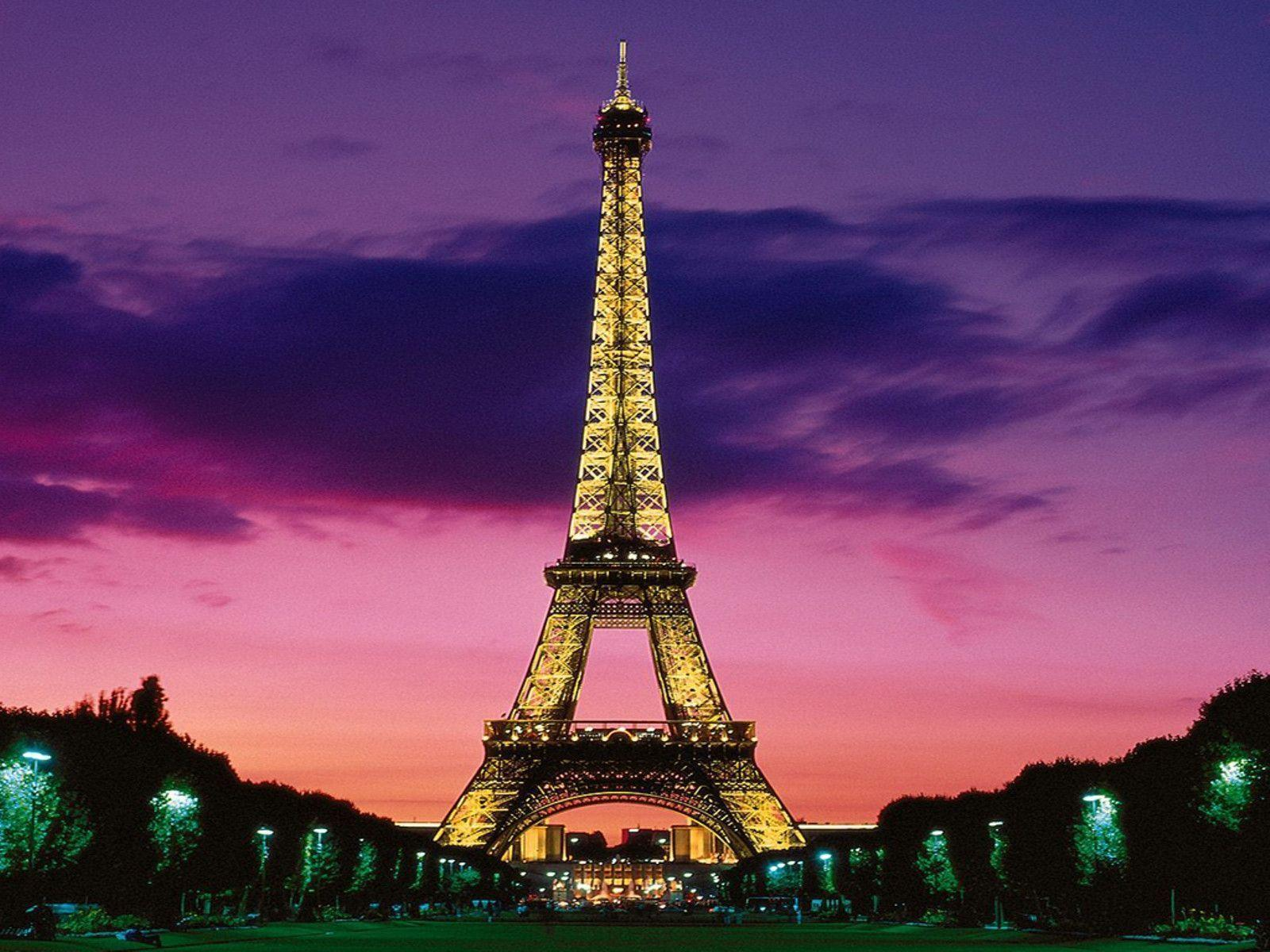 Eiffel Tower Desktop Wallpapers