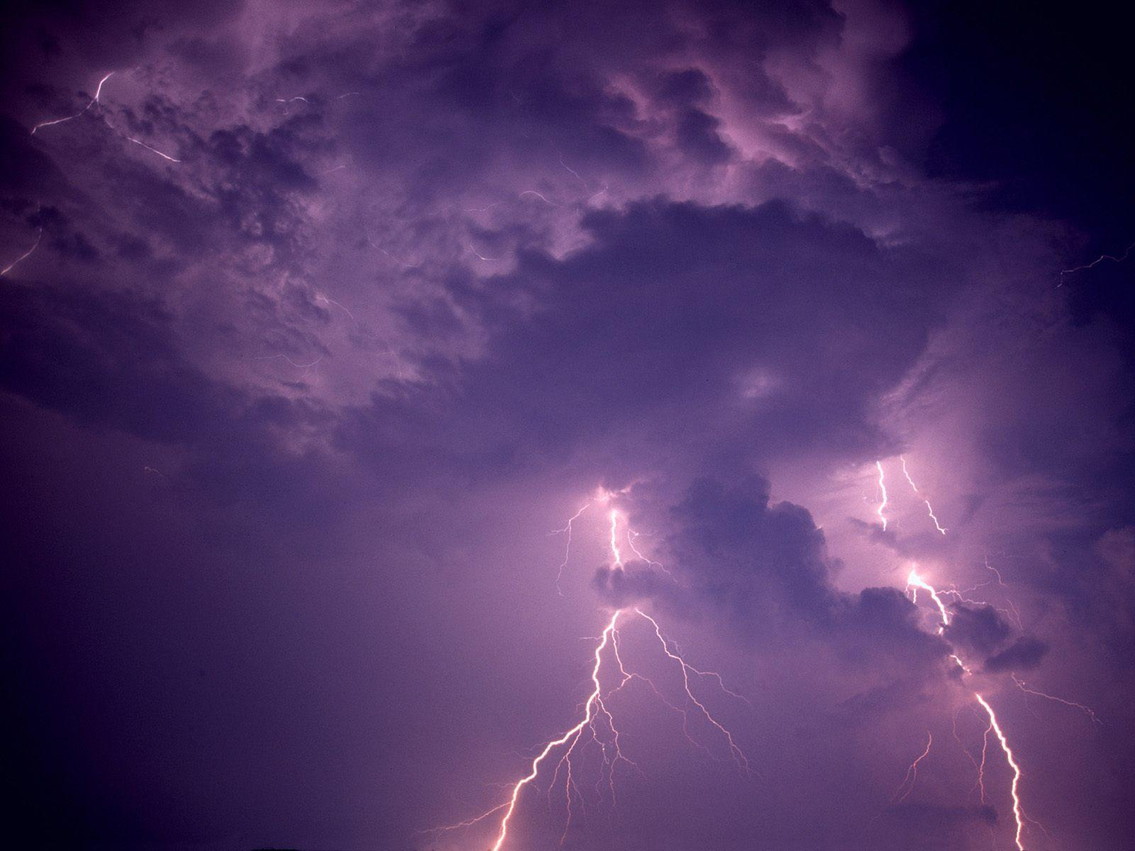Lightning storm bolt free desktop background - free wallpaper image