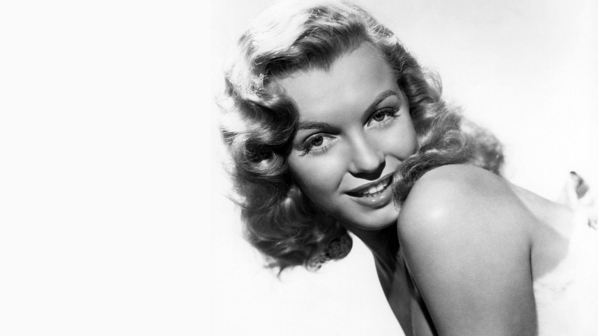 Marilyn Monroe wallpaper - Splendid Wallpaper HD