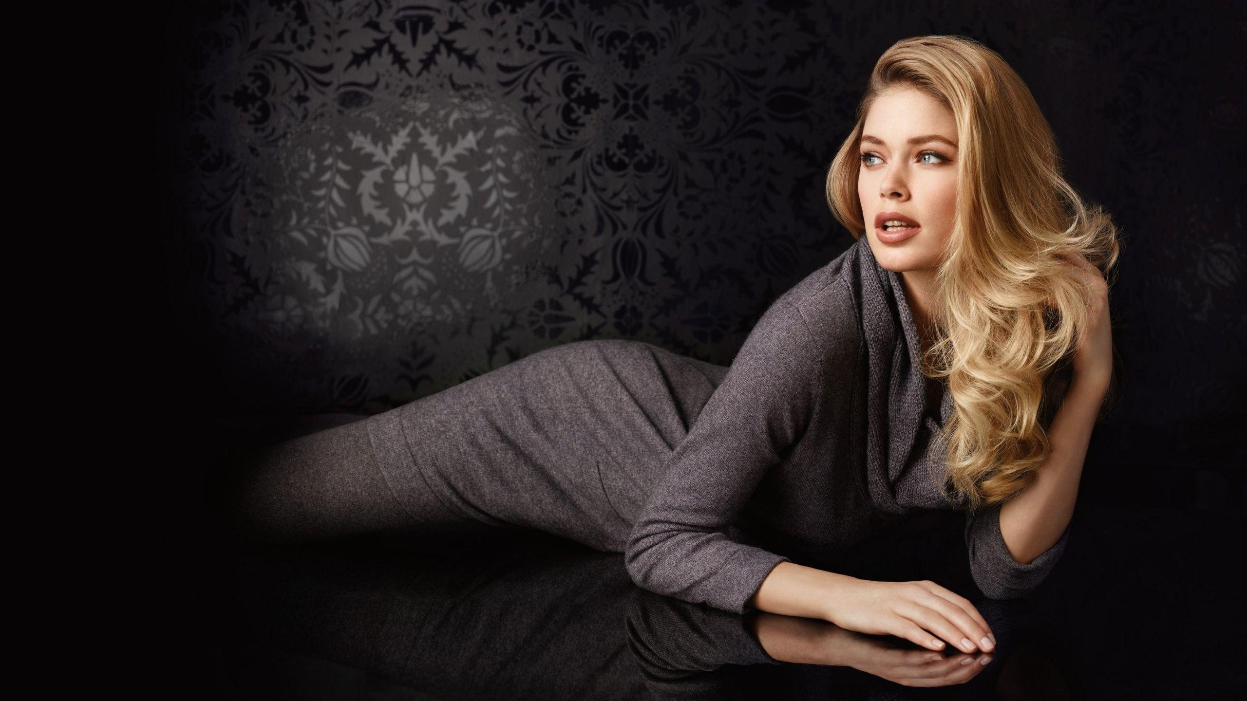 Doutzen Kroes Desktop HD Wallpaper in Widescreen & Facts