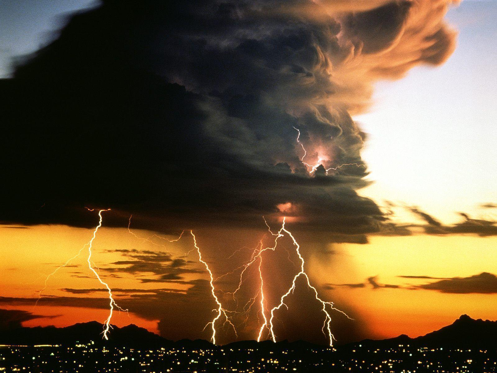 Wallpapers For > Lightning Storm Backgrounds