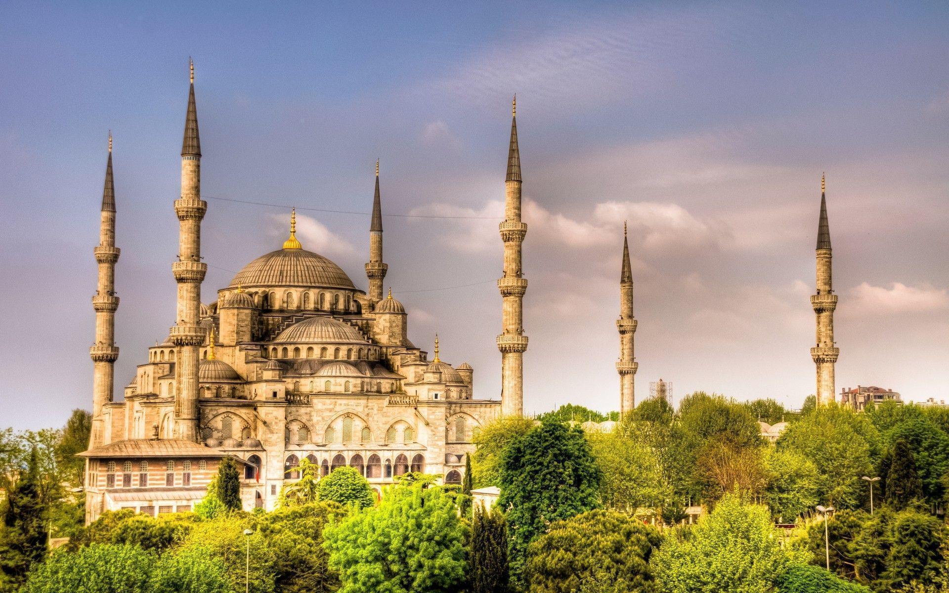 Beautiful Mosque Wallpaper HD Free Download For Desktop