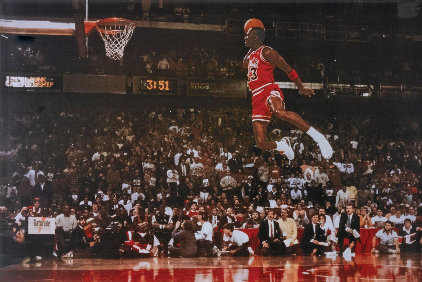 Showthread likewise Michael Jordan Dunk Wallpaper likewise Oscar Robertson 1955 Attucks Named Grand Marshals Indianapolis 500 together with Galeria Michael Jordan besides . on oscar robertson basketball player
