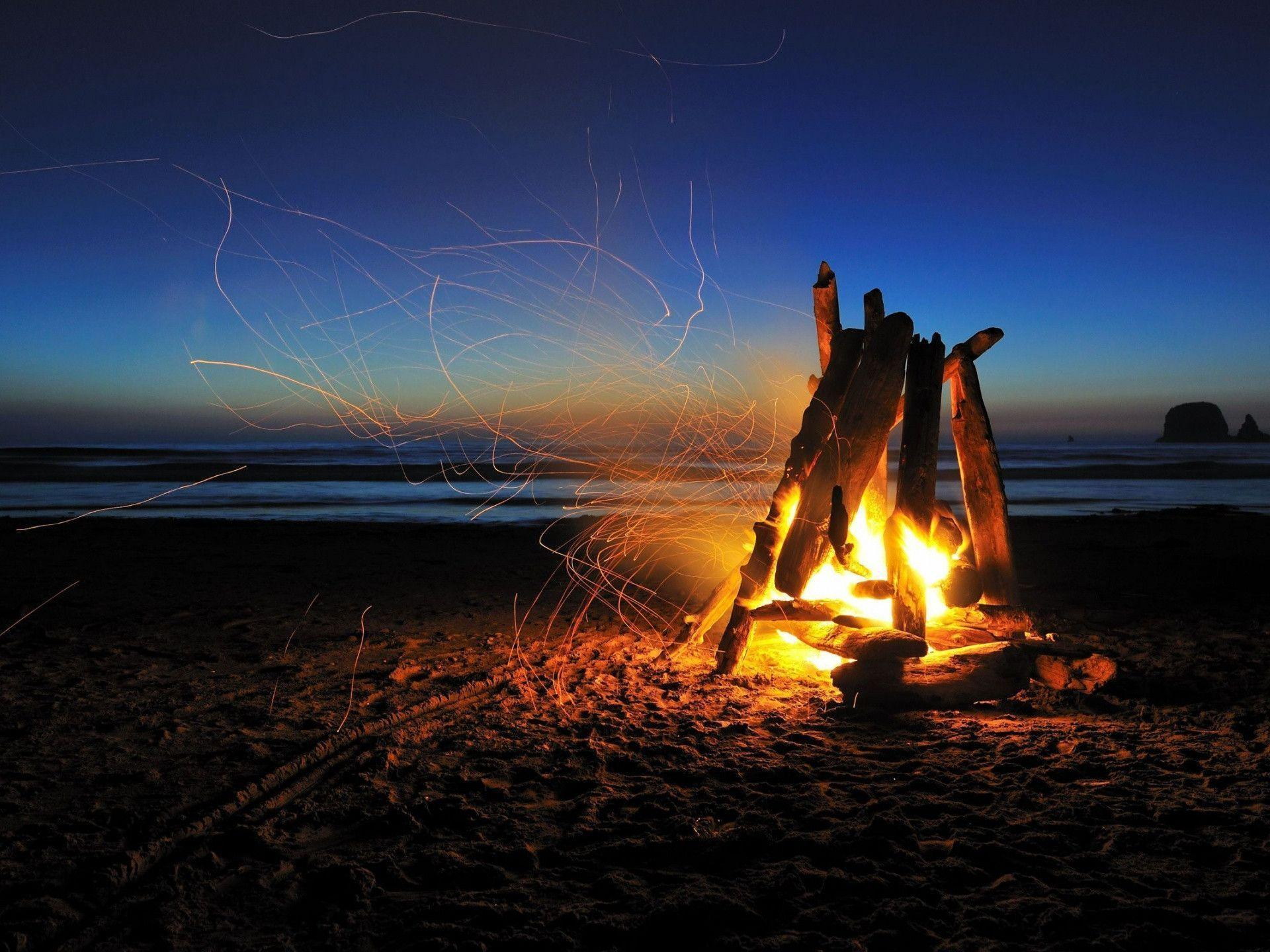 1920x1440 Beach campfire night Wallpapers