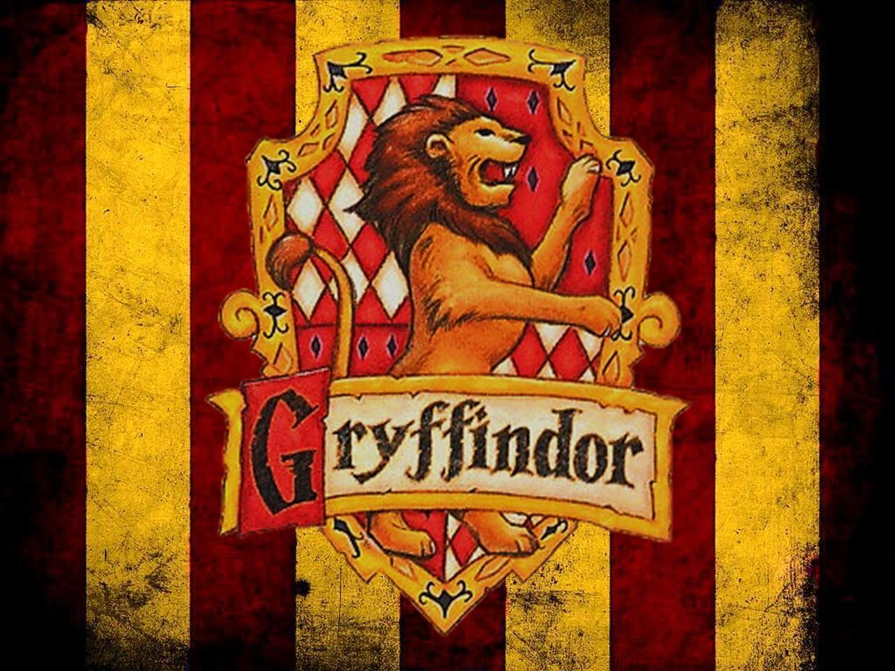 house wallpaper gryffindor by - photo #10