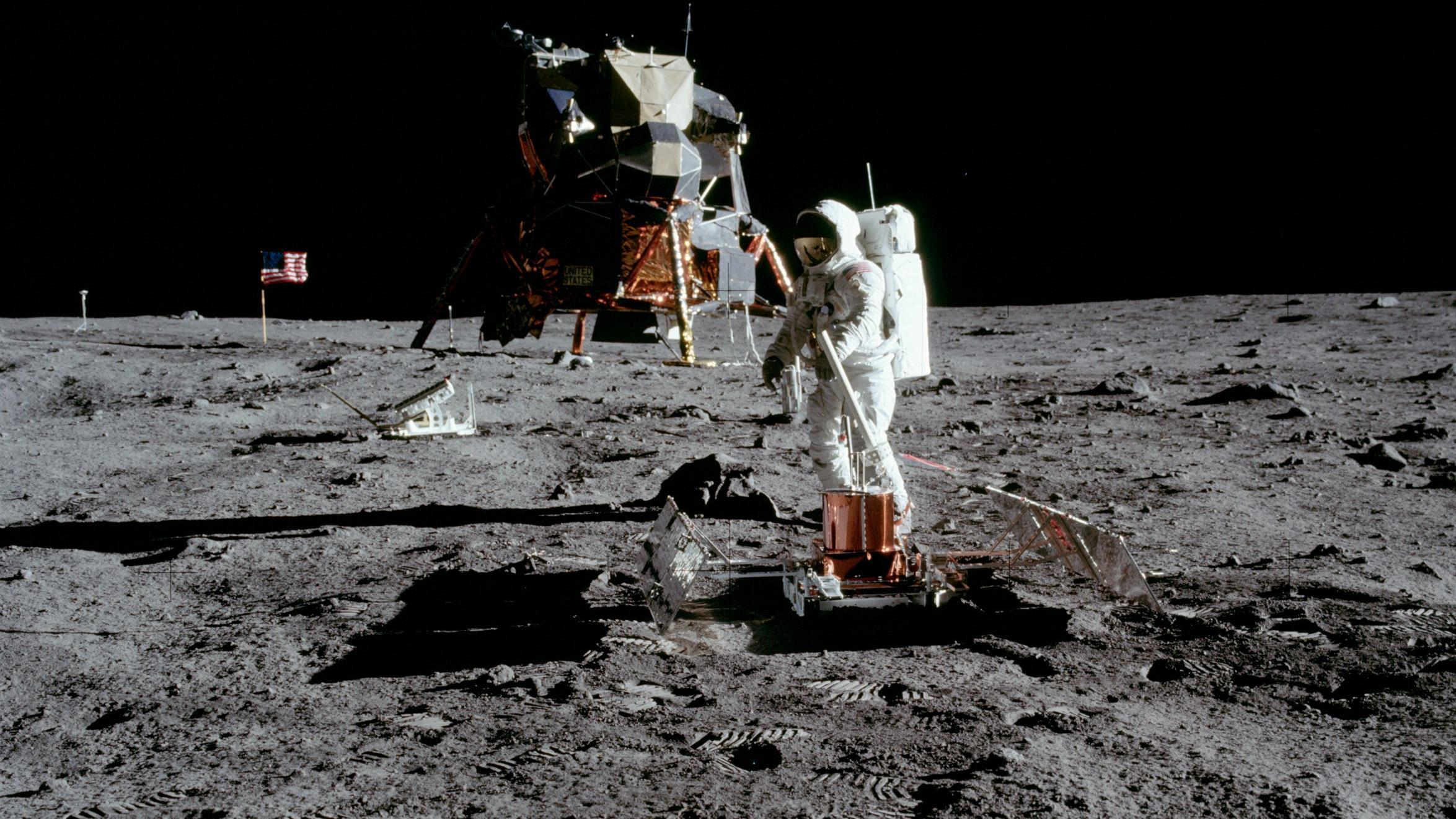 apollo 11 mission landing on the moon - photo #22