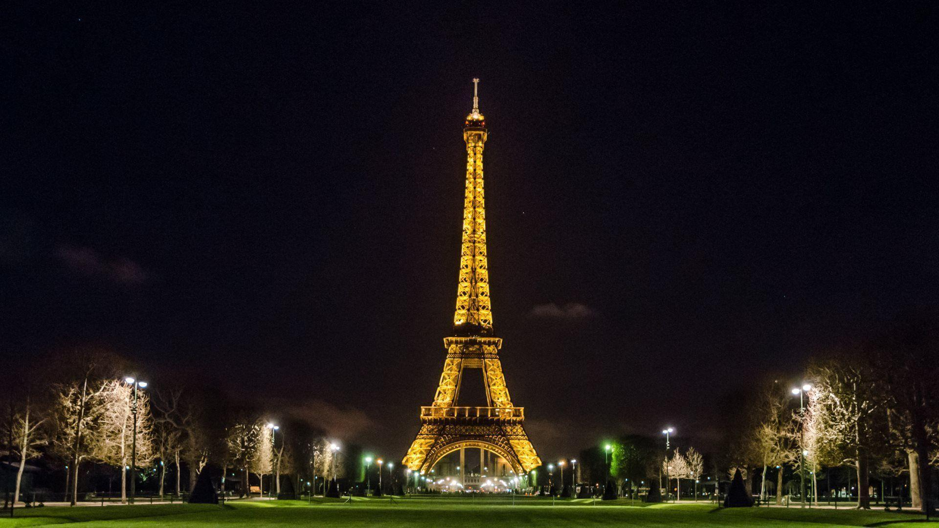 eiffel tower wallpaper - photo #25