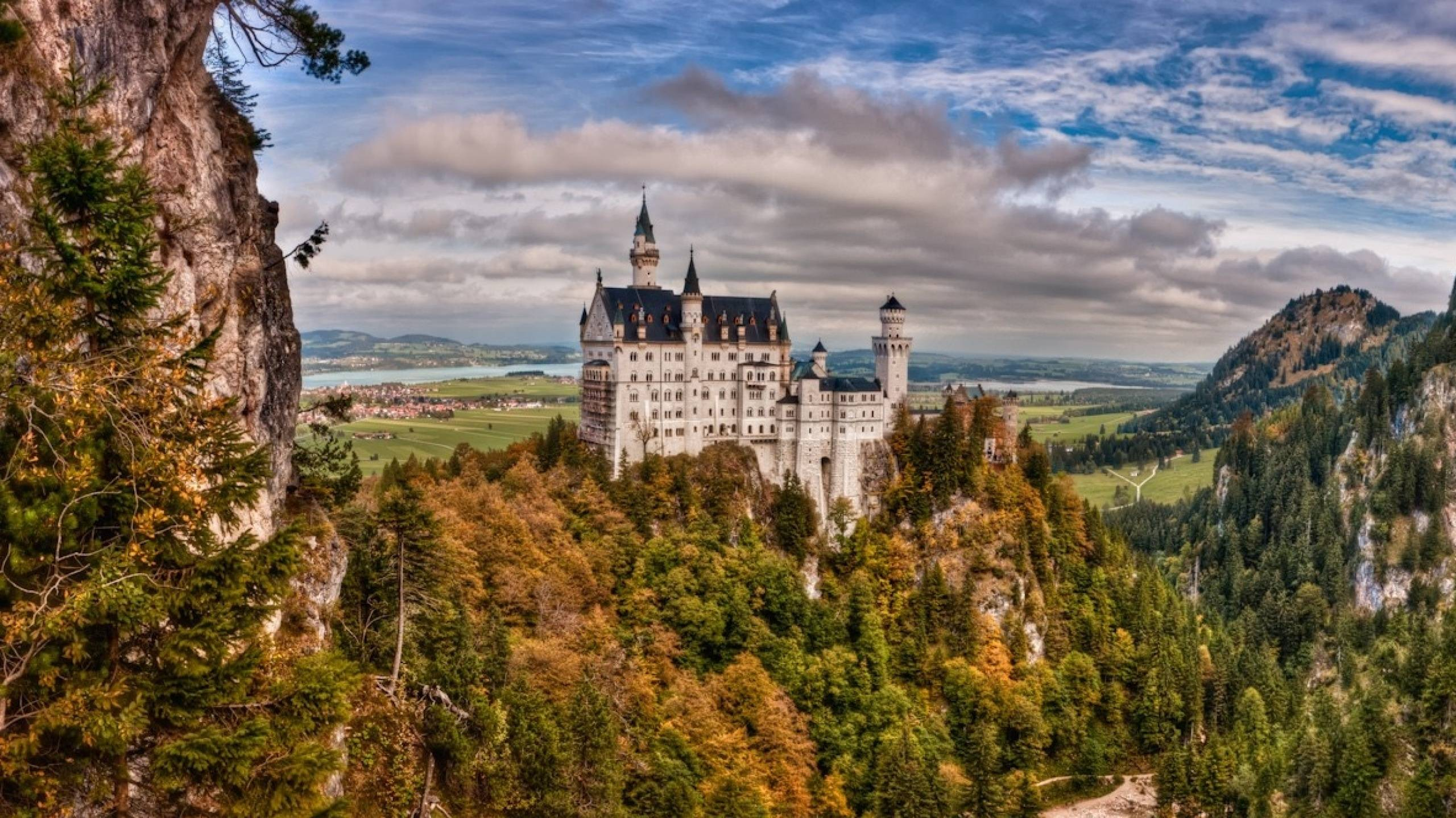 2560x1440 Bavaria Neuschwanstein Castle desktop PC and Mac wallpaper