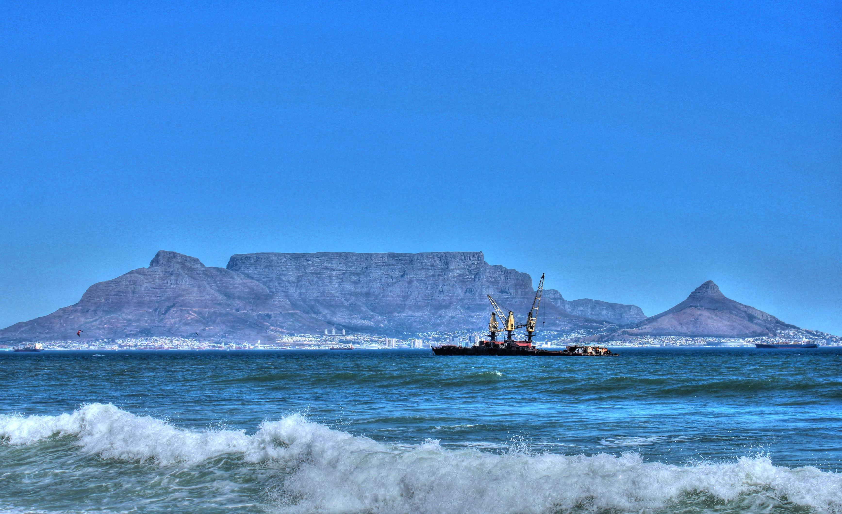 cape town beach and table mountain | HD Wallpaper and Download ...